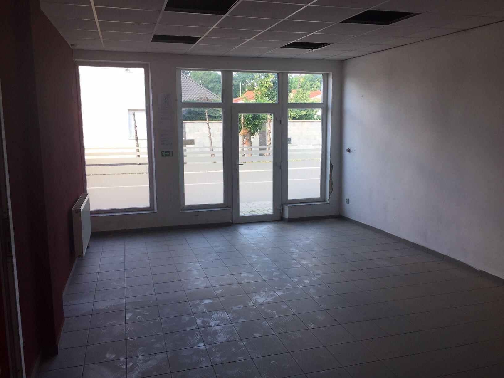 Predané: Predaj obchodného priestoru, najlepšie pre Autoservis, Pezinok, Ulica Mýtna/Šenkvická cesta. 240 m2-12