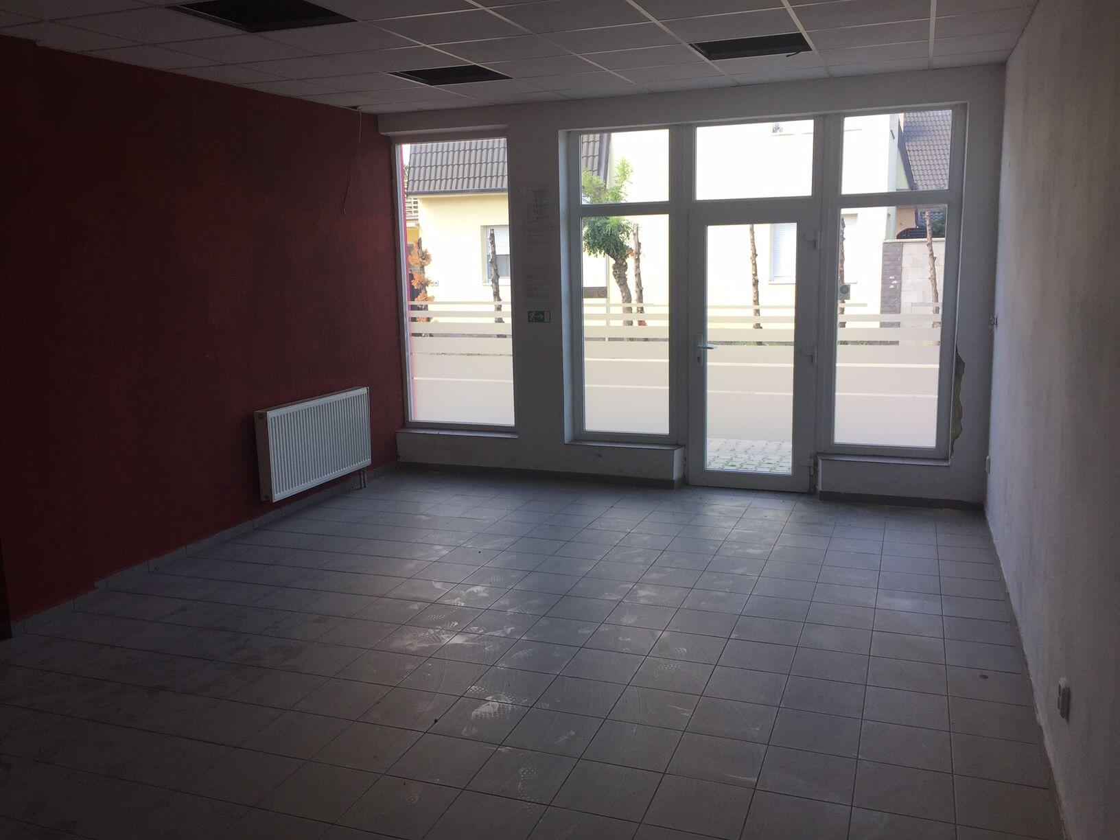 Predané: Predaj obchodného priestoru, najlepšie pre Autoservis, Pezinok, Ulica Mýtna/Šenkvická cesta. 240 m2-11