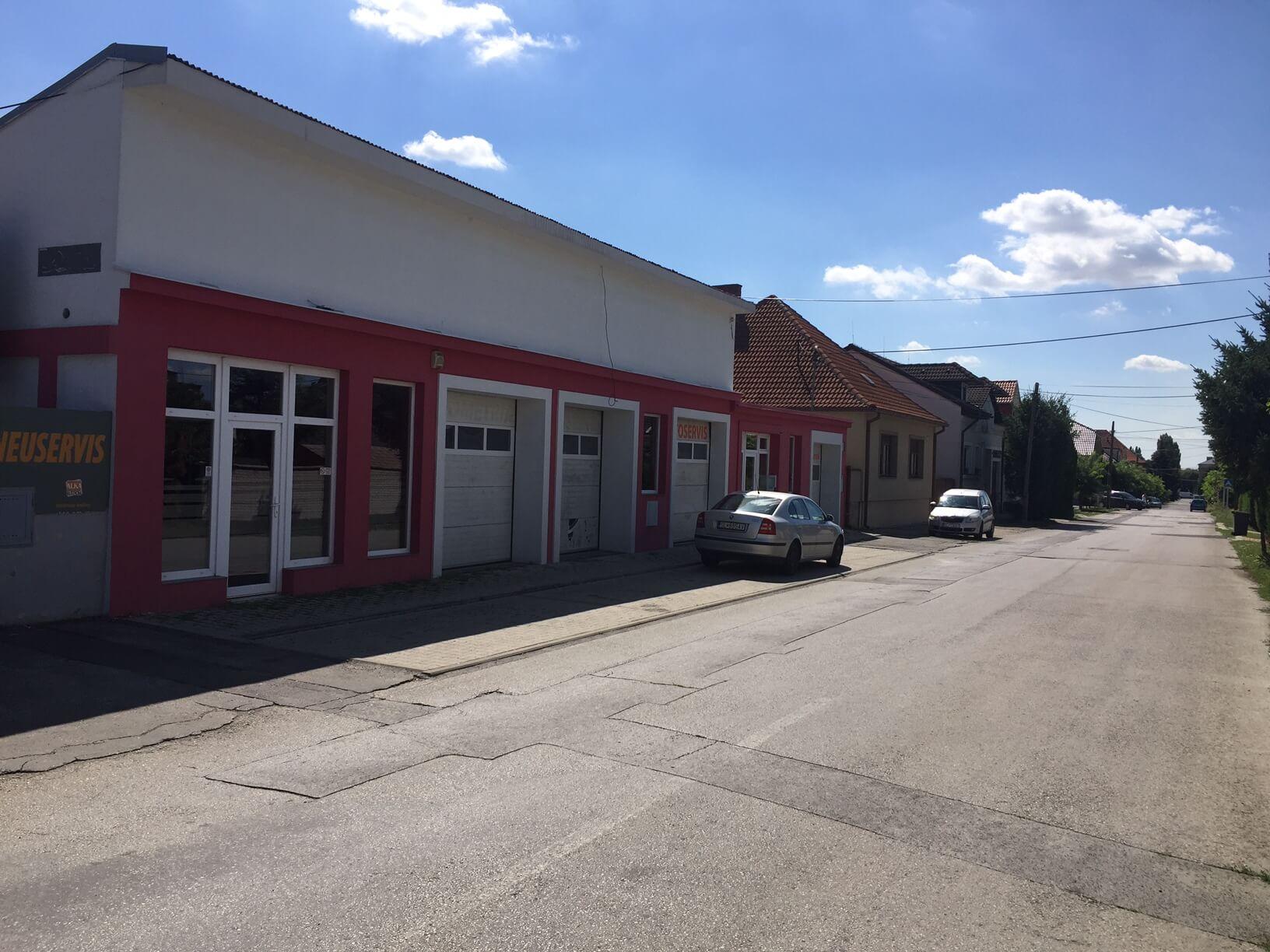 Predané: Predaj obchodného priestoru, najlepšie pre Autoservis, Pezinok, Ulica Mýtna/Šenkvická cesta. 240 m2-4
