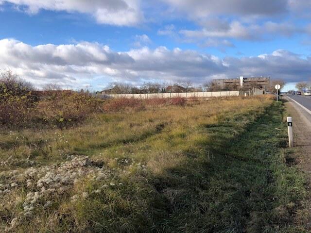 Predané: Stavebný pozemok na dvojdom Bernolákovo, pri hlavnej ceste, Senecká, oproti Shell pumpe, 1573m2,-0
