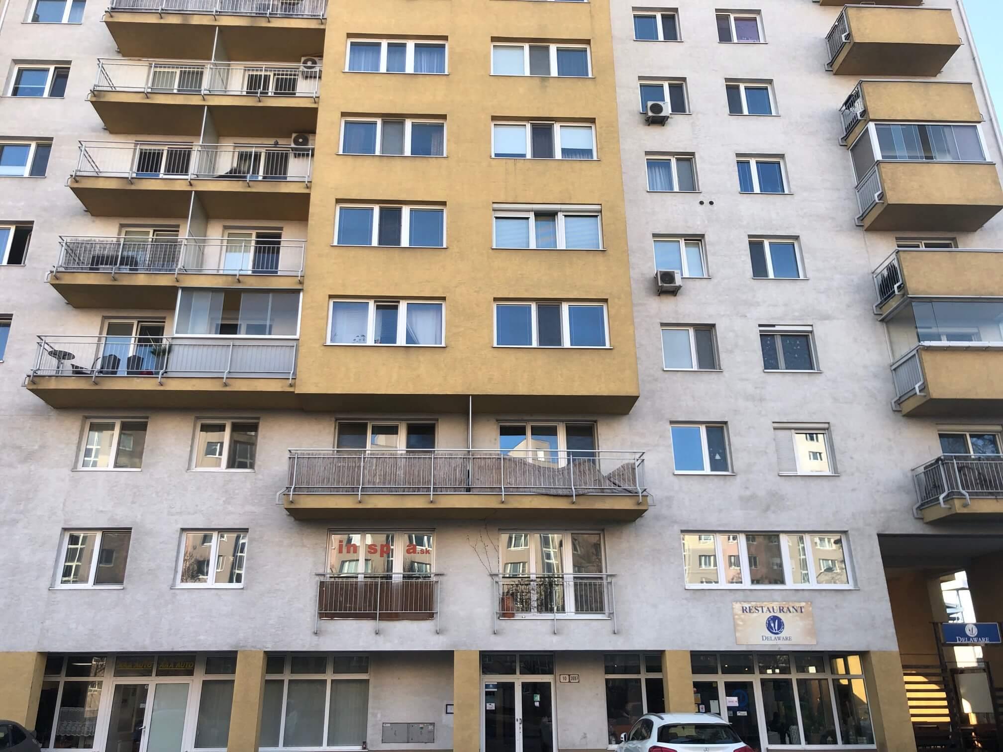 Predané: Exkluzívne na predaj 3 izb. byt, 72 m2, balkón 8 m2, parkovacie státie, Bratislava, Petržalka, Budatínska-10