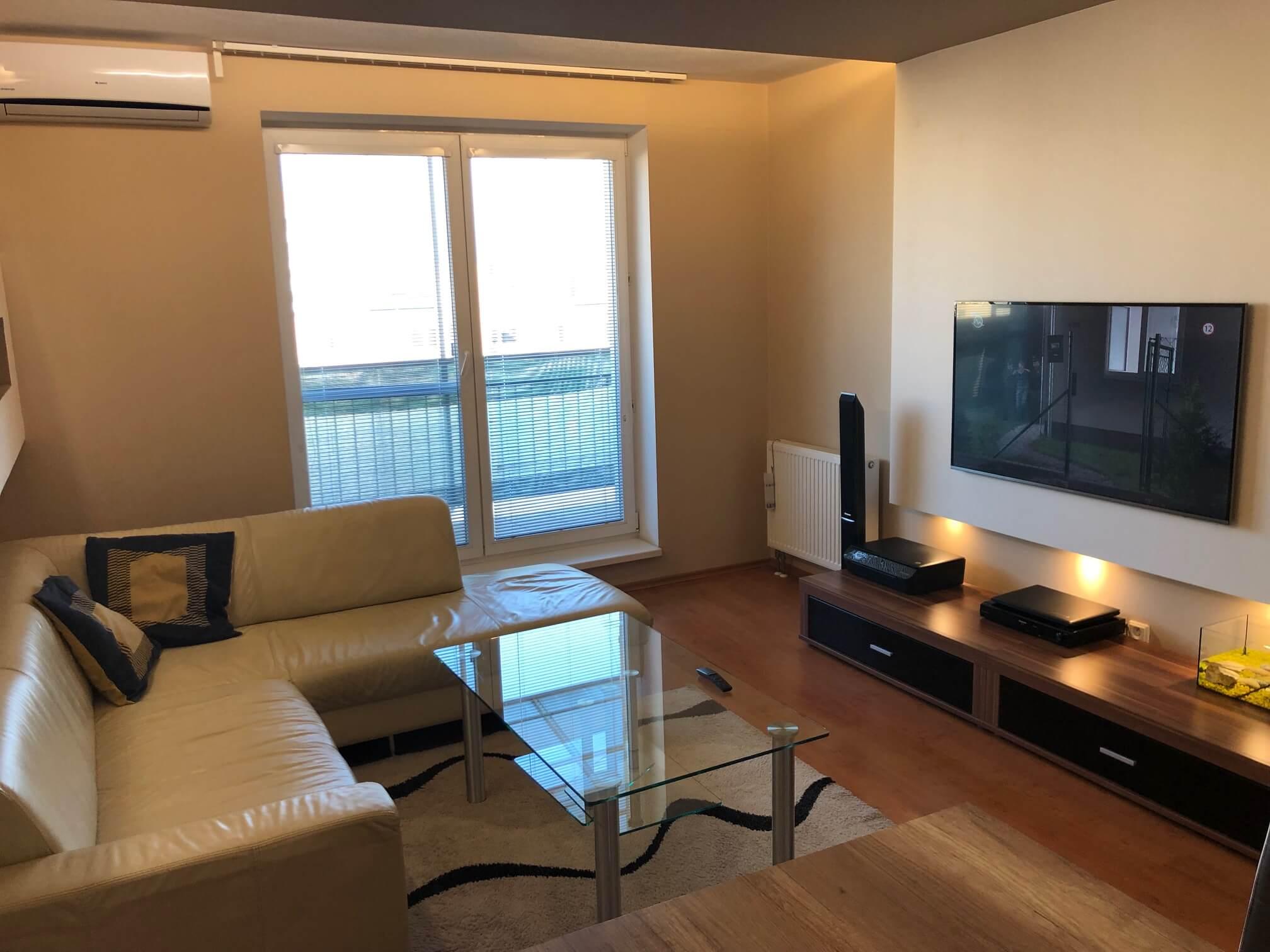 Predané: Exkluzívne na predaj 3 izb. byt, 72 m2, balkón 8 m2, parkovacie státie, Bratislava, Petržalka, Budatínska-5