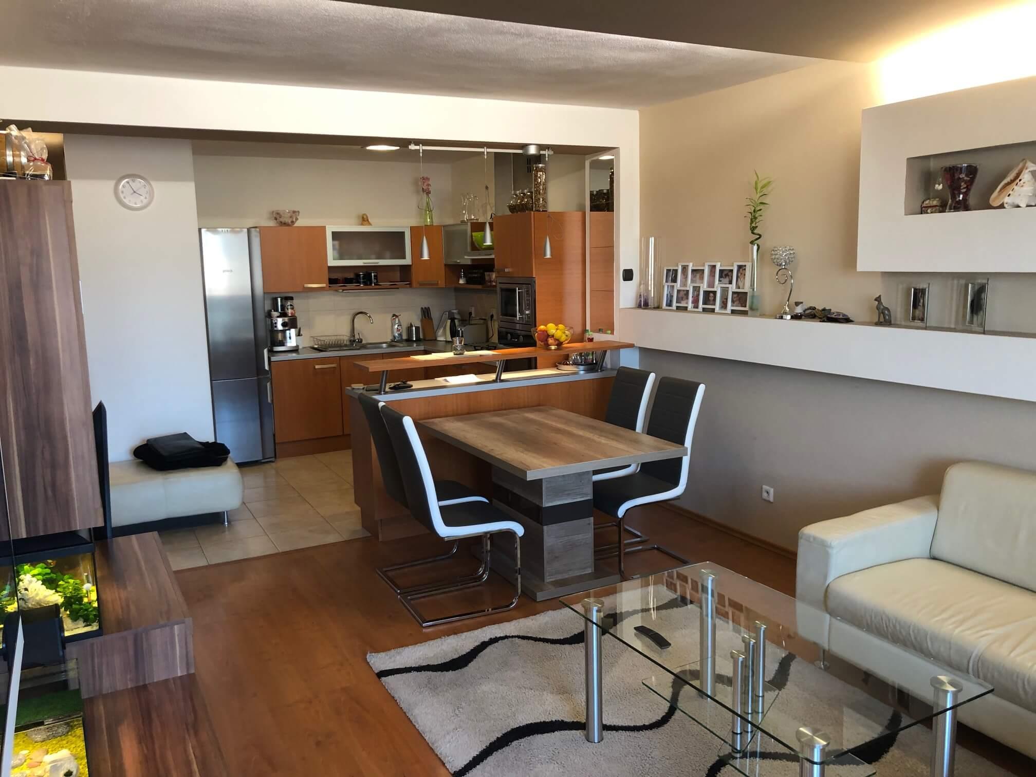 Predané: Exkluzívne na predaj 3 izb. byt, 72 m2, balkón 8 m2, parkovacie státie, Bratislava, Petržalka, Budatínska-1