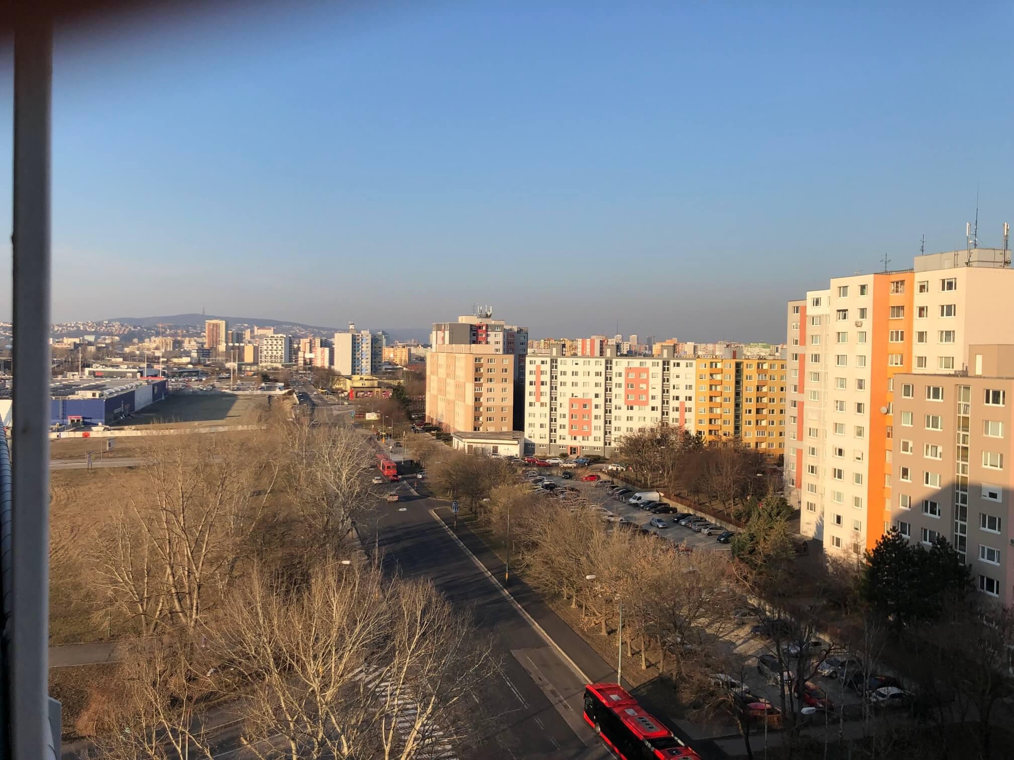 Predané: Exkluzívne na predaj 3 izb. byt, 72 m2, balkón 8 m2, parkovacie státie, Bratislava, Petržalka, Budatínska-43