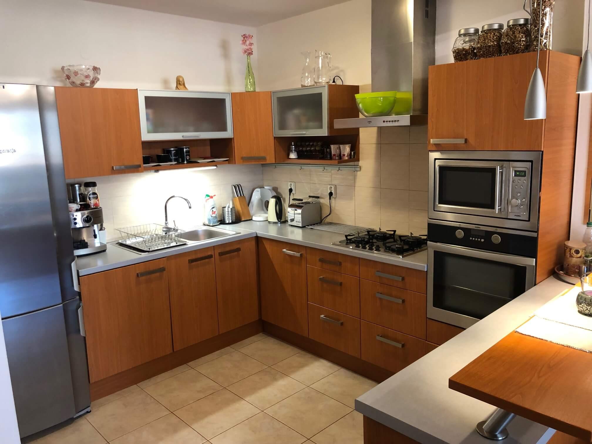 Predané: Exkluzívne na predaj 3 izb. byt, 72 m2, balkón 8 m2, parkovacie státie, Bratislava, Petržalka, Budatínska-37