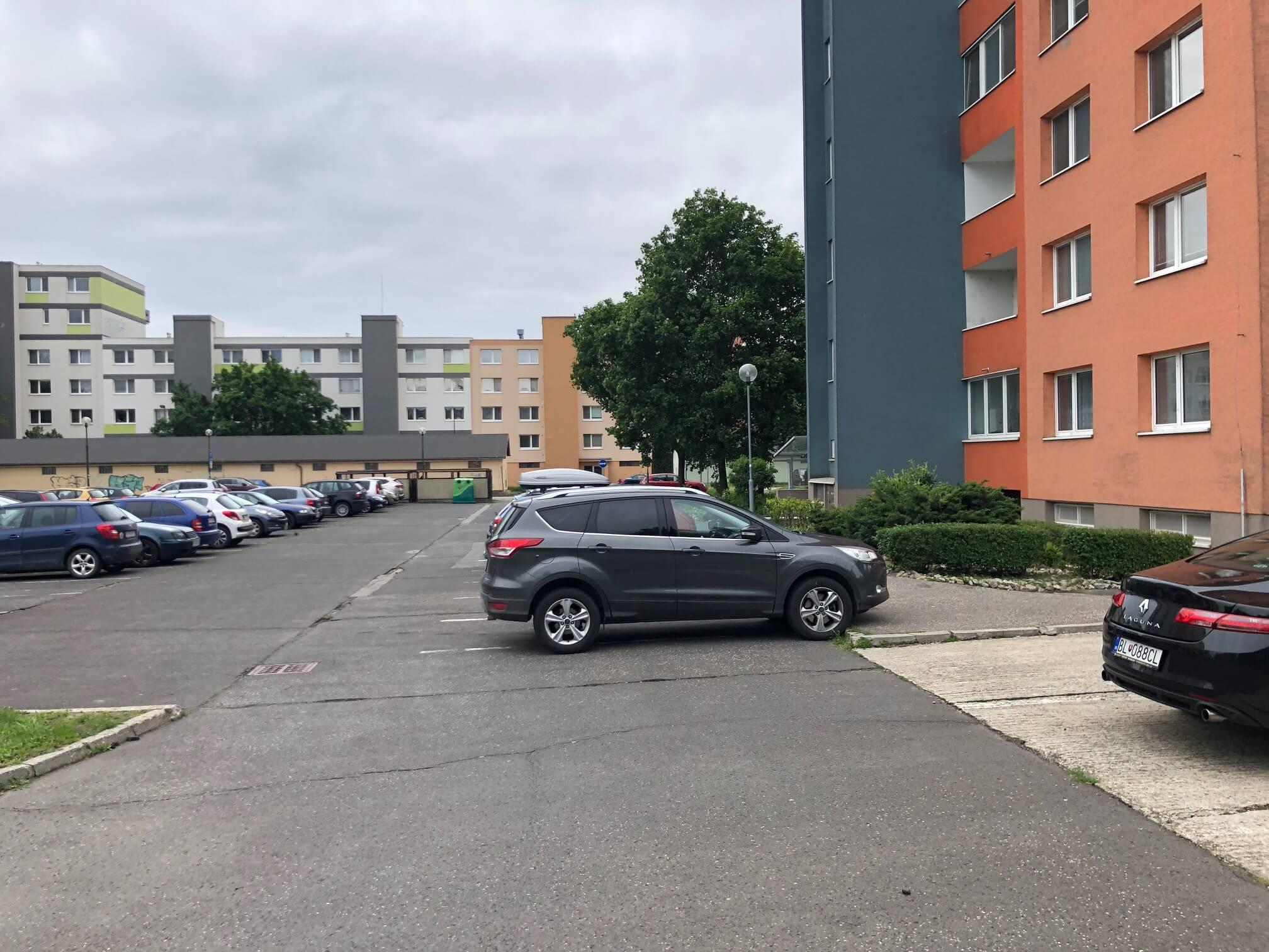 Predaný: 1 izbový byt, Ipeľská, Bratislava, 38m2, nízke náklady, parkovanie, vynikajúca občianska vybavenosť-24