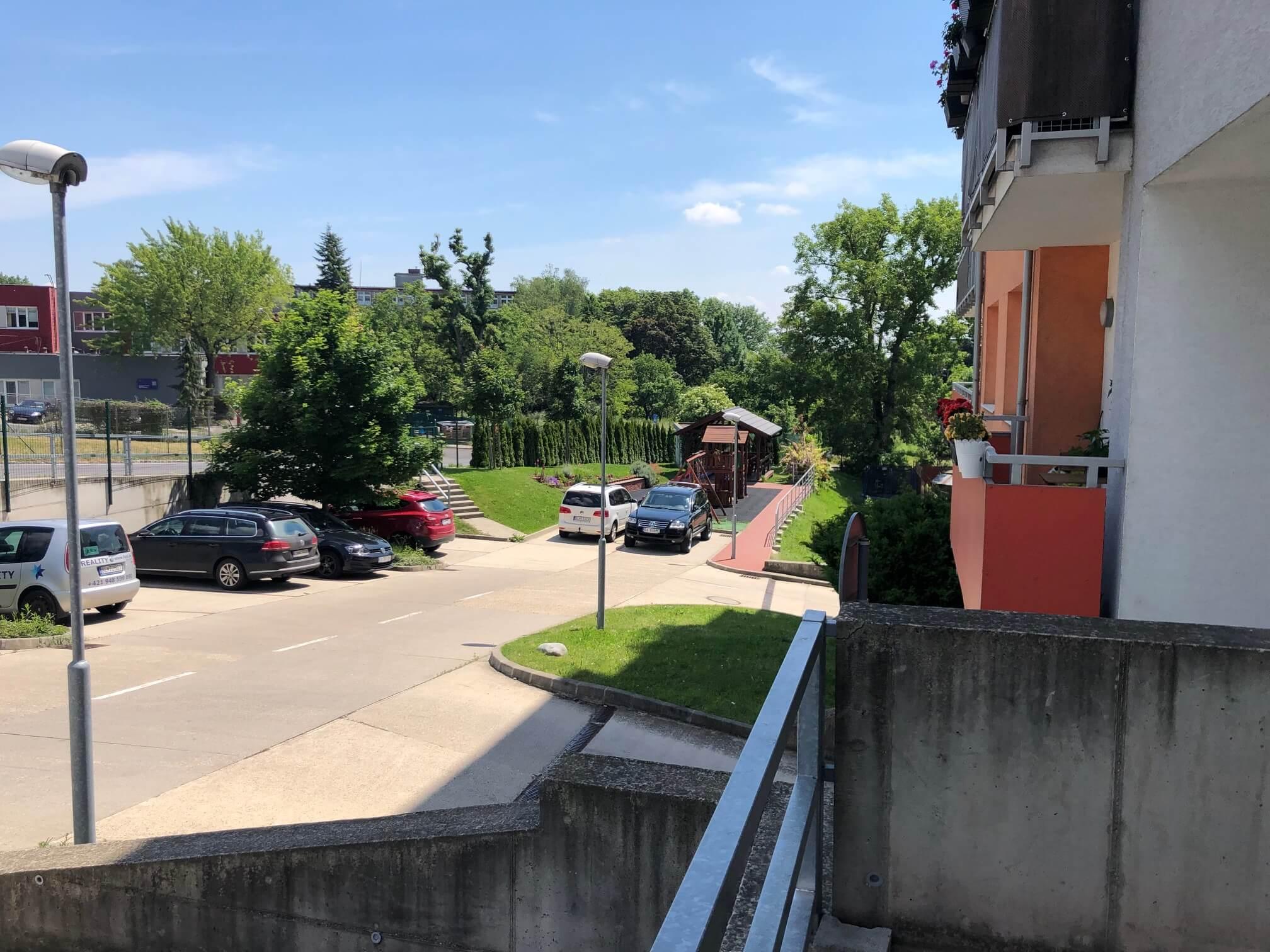 Predané: 3 izbový byt, novostavba, 72,25m2, loggia 4,82m2, Staré Grunty, Karlovka, garážové státie-73