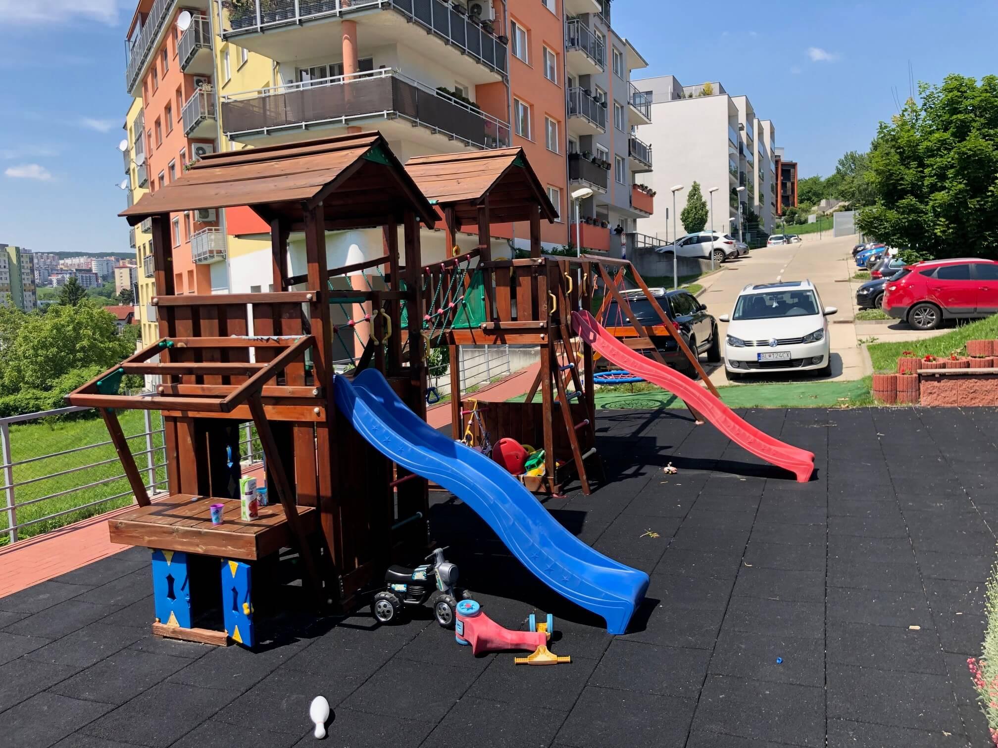 Predané: 3 izbový byt, novostavba, 72,25m2, loggia 4,82m2, Staré Grunty, Karlovka, garážové státie-54
