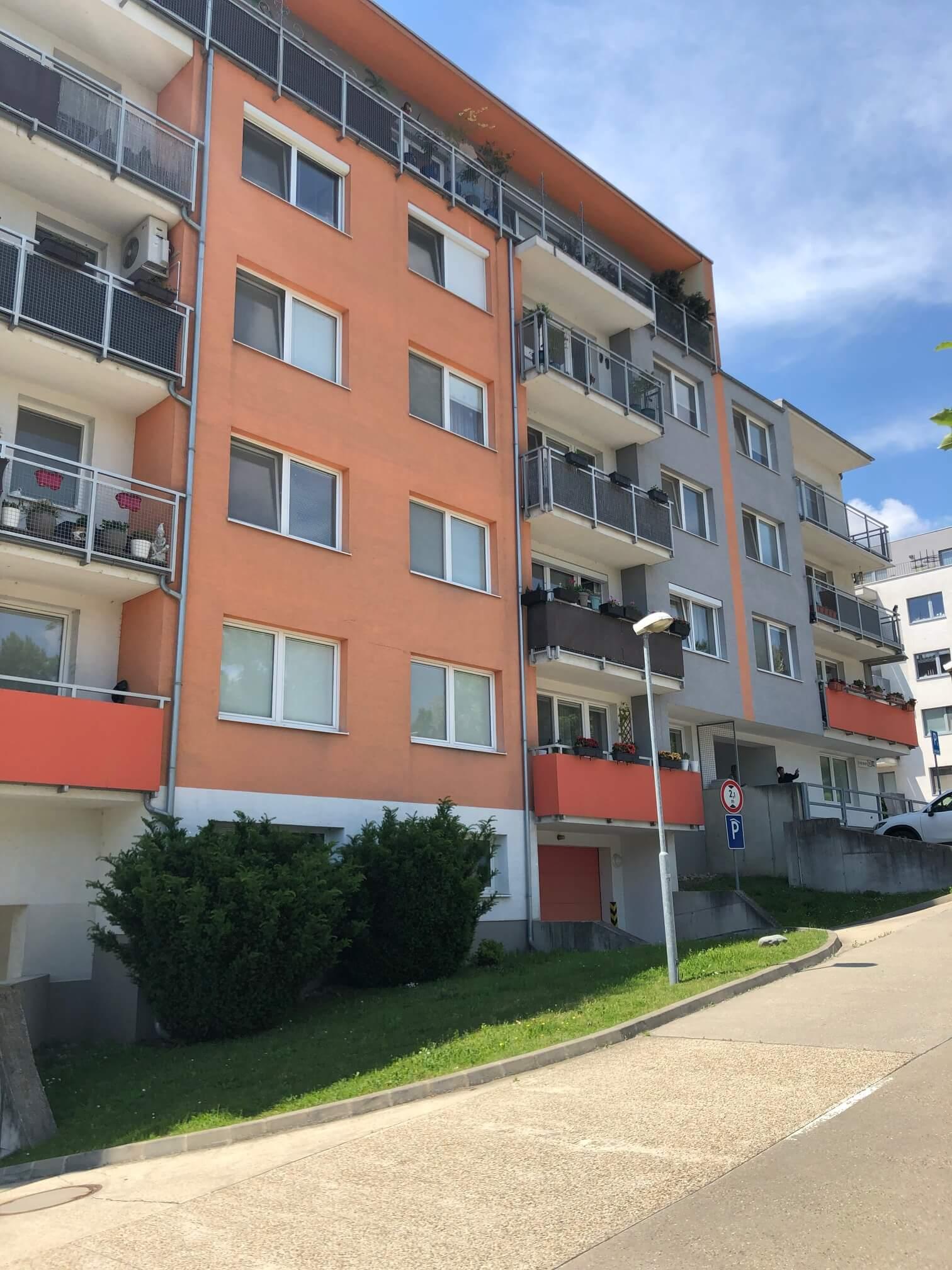 Predané: 3 izbový byt, novostavba, 72,25m2, loggia 4,82m2, Staré Grunty, Karlovka, garážové státie-49