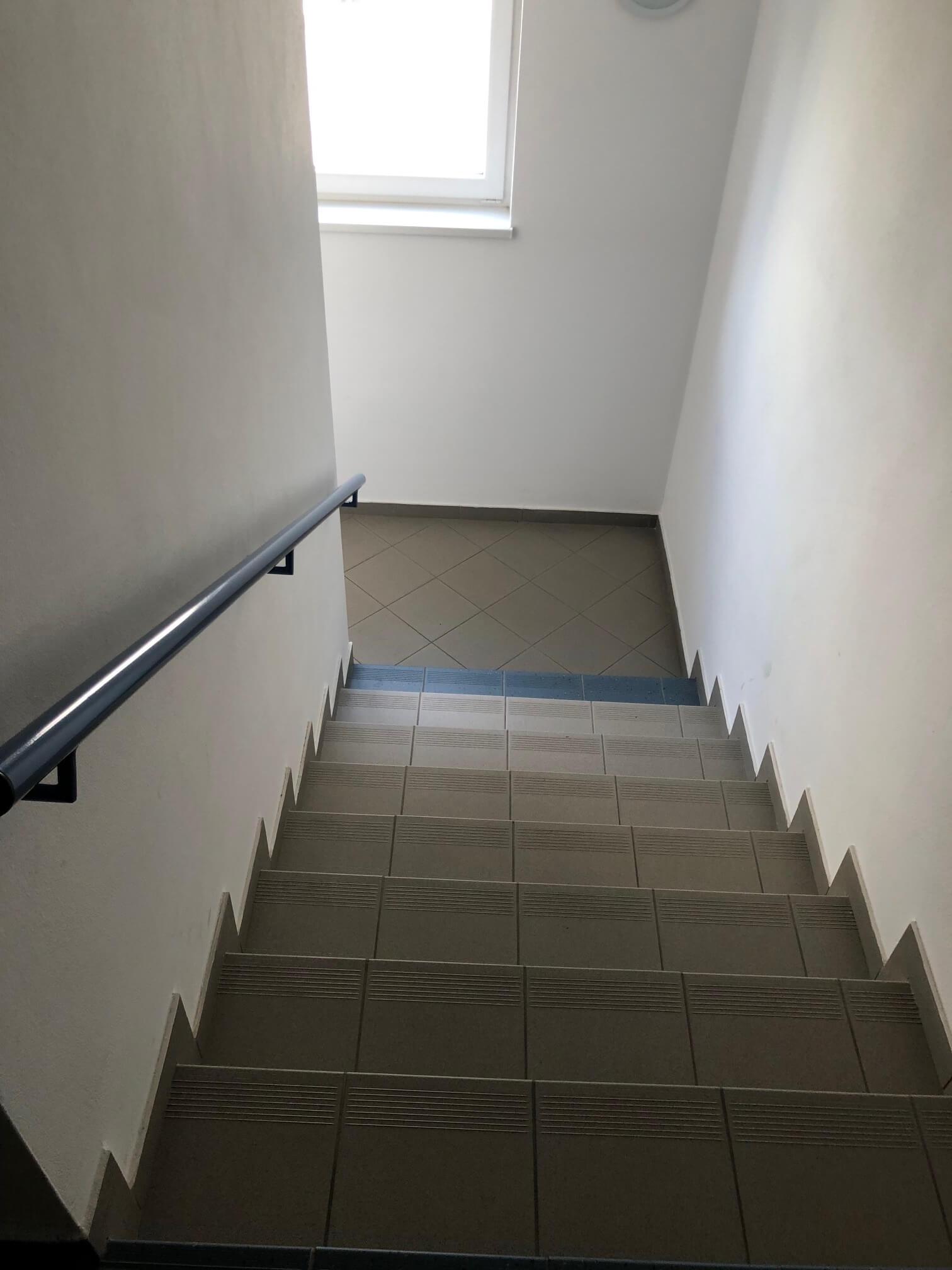 Predané: 3 izbový byt, novostavba, 72,25m2, loggia 4,82m2, Staré Grunty, Karlovka, garážové státie-47
