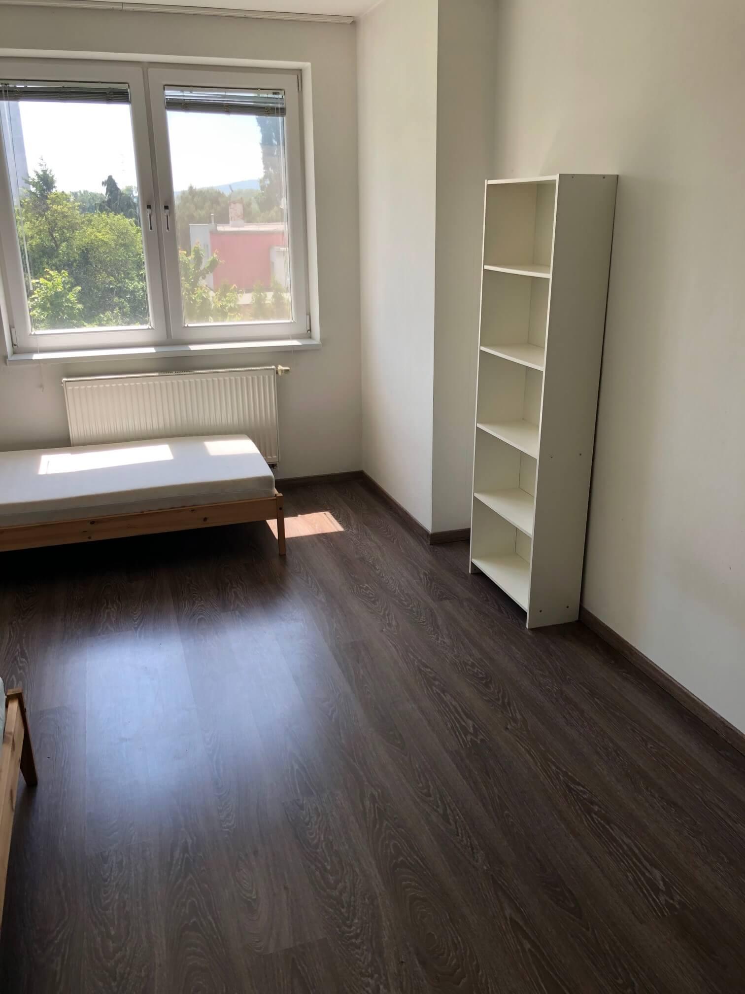 Predané: 3 izbový byt, novostavba, 72,25m2, loggia 4,82m2, Staré Grunty, Karlovka, garážové státie-26