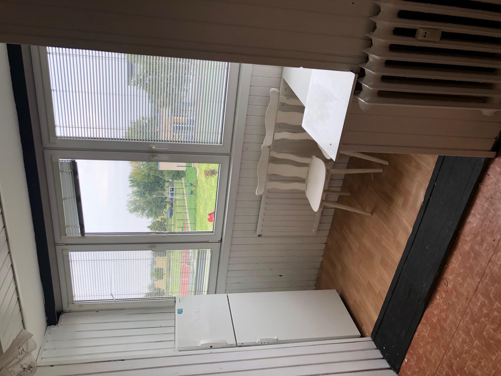 Predané: 2 izbový byt, 52m2, pivnica, pôvodný stav, Skuteckého, Malacky Juh-17