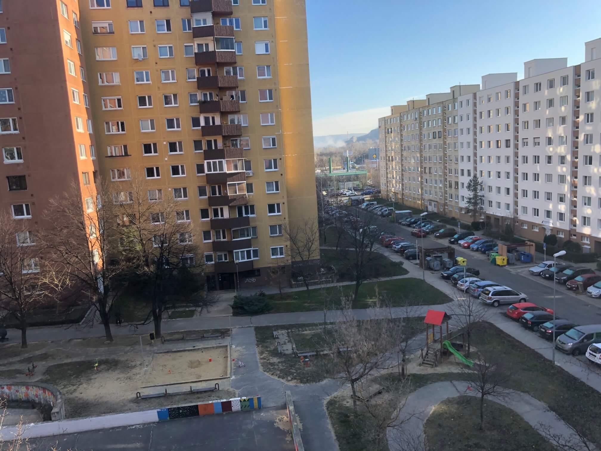 Predané: Exkluzívne na predaj 3 izbový byt, Devínska Nová Ves, Jána Poničana 3, 65m2, balkon 4m2,klimatizácia-44