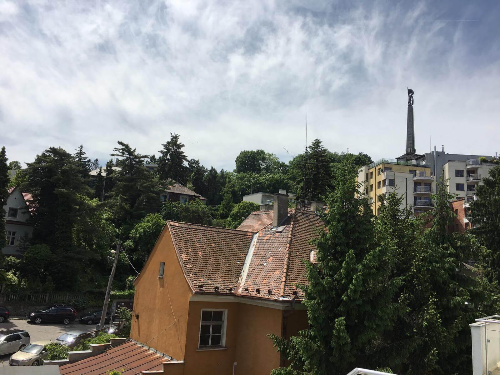 Prenajate: Prenájom 4 izbového luxusného bytu, Pri Slavíne, novostavba, 2x parkovanie, Boženy Nemcovej, Centrum-63