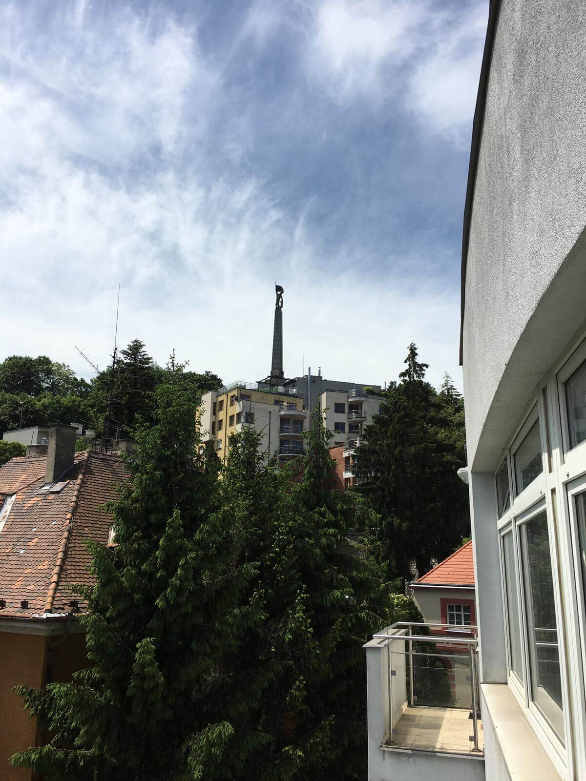 Prenajate: Prenájom 4 izbového luxusného bytu, Pri Slavíne, novostavba, 2x parkovanie, Boženy Nemcovej, Centrum-59