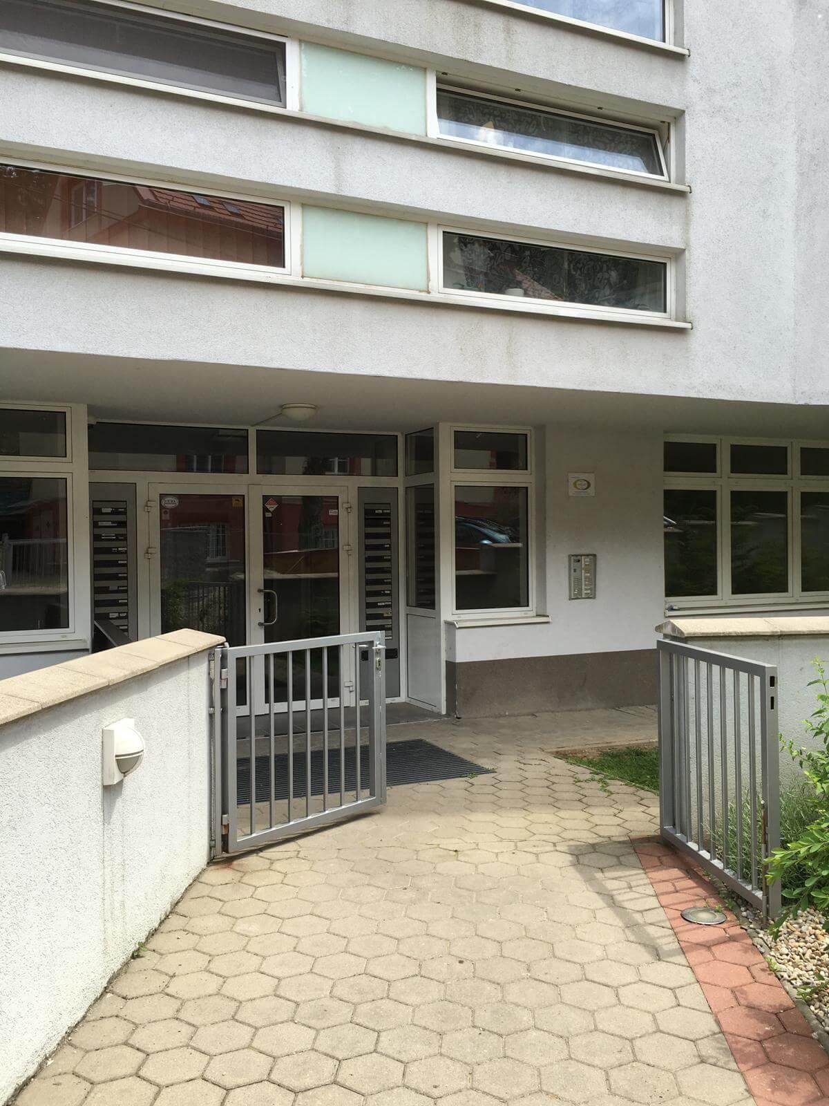 Prenajate: Prenájom 4 izbového luxusného bytu, Pri Slavíne, novostavba, 2x parkovanie, Boženy Nemcovej, Centrum-54