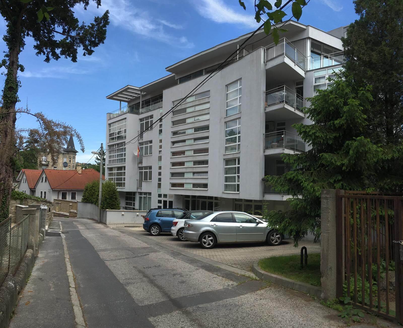 Prenajate: Prenájom 4 izbového luxusného bytu, Pri Slavíne, novostavba, 2x parkovanie, Boženy Nemcovej, Centrum-52