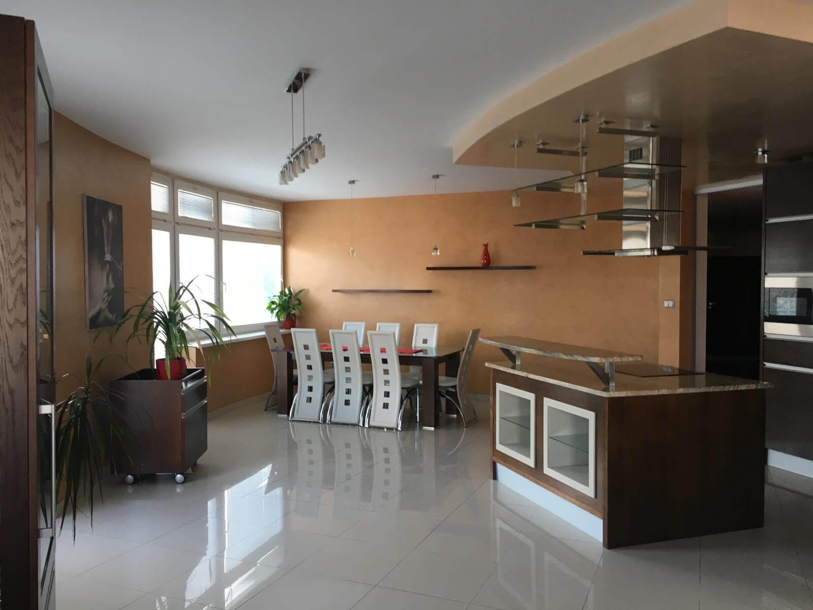 Prenajate: Prenájom 4 izbového luxusného bytu, Pri Slavíne, novostavba, 2x parkovanie, Boženy Nemcovej, Centrum-0