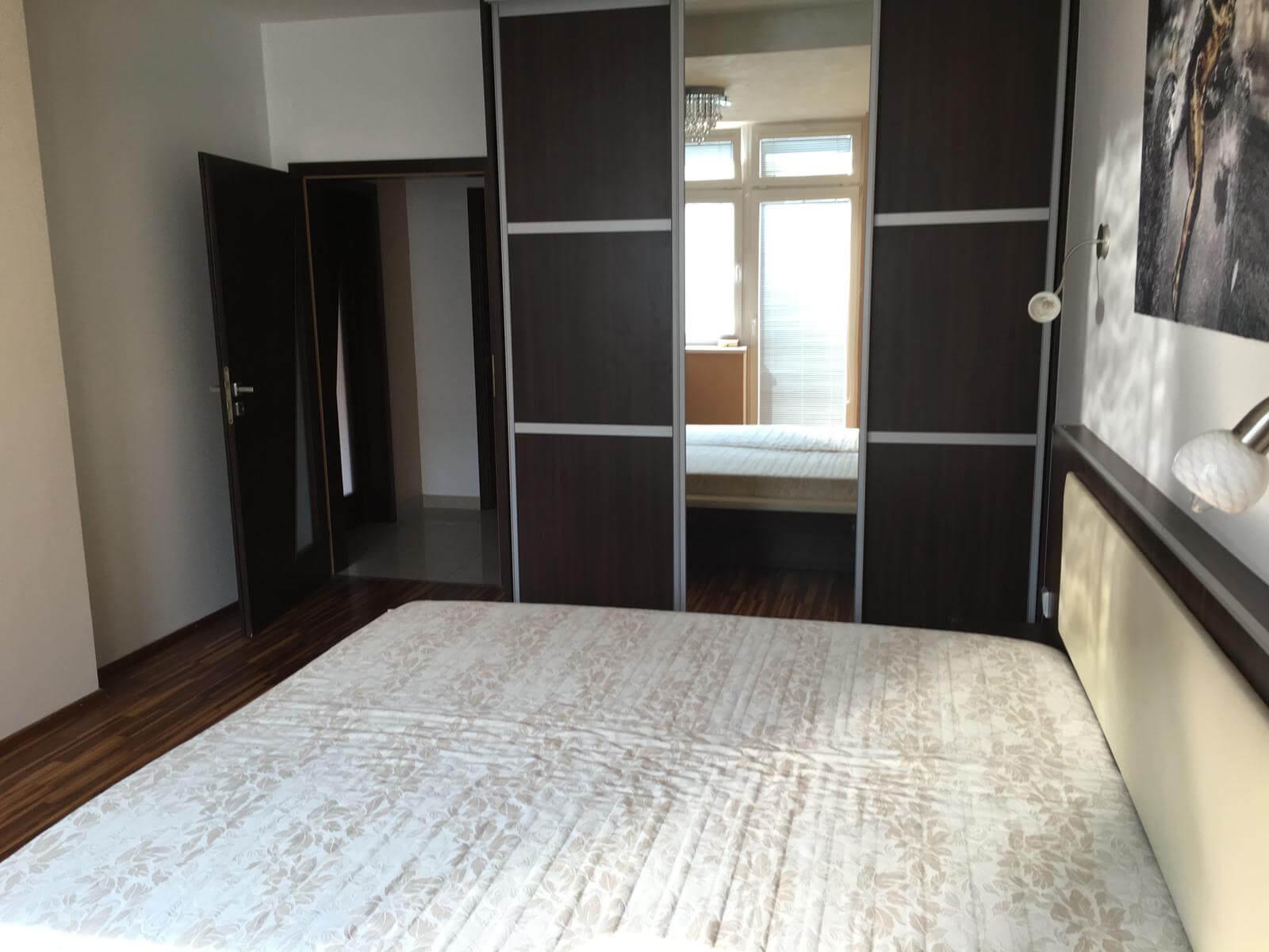 Prenajate: Prenájom 4 izbového luxusného bytu, Pri Slavíne, novostavba, 2x parkovanie, Boženy Nemcovej, Centrum-22