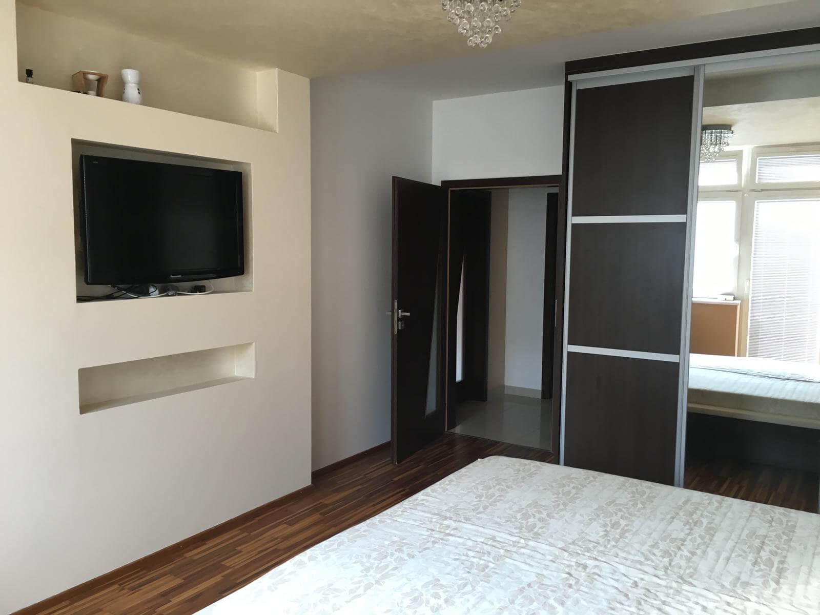 Prenajate: Prenájom 4 izbového luxusného bytu, Pri Slavíne, novostavba, 2x parkovanie, Boženy Nemcovej, Centrum-21