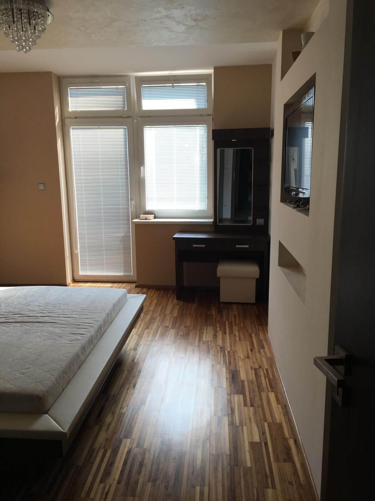 Prenajate: Prenájom 4 izbového luxusného bytu, Pri Slavíne, novostavba, 2x parkovanie, Boženy Nemcovej, Centrum-19