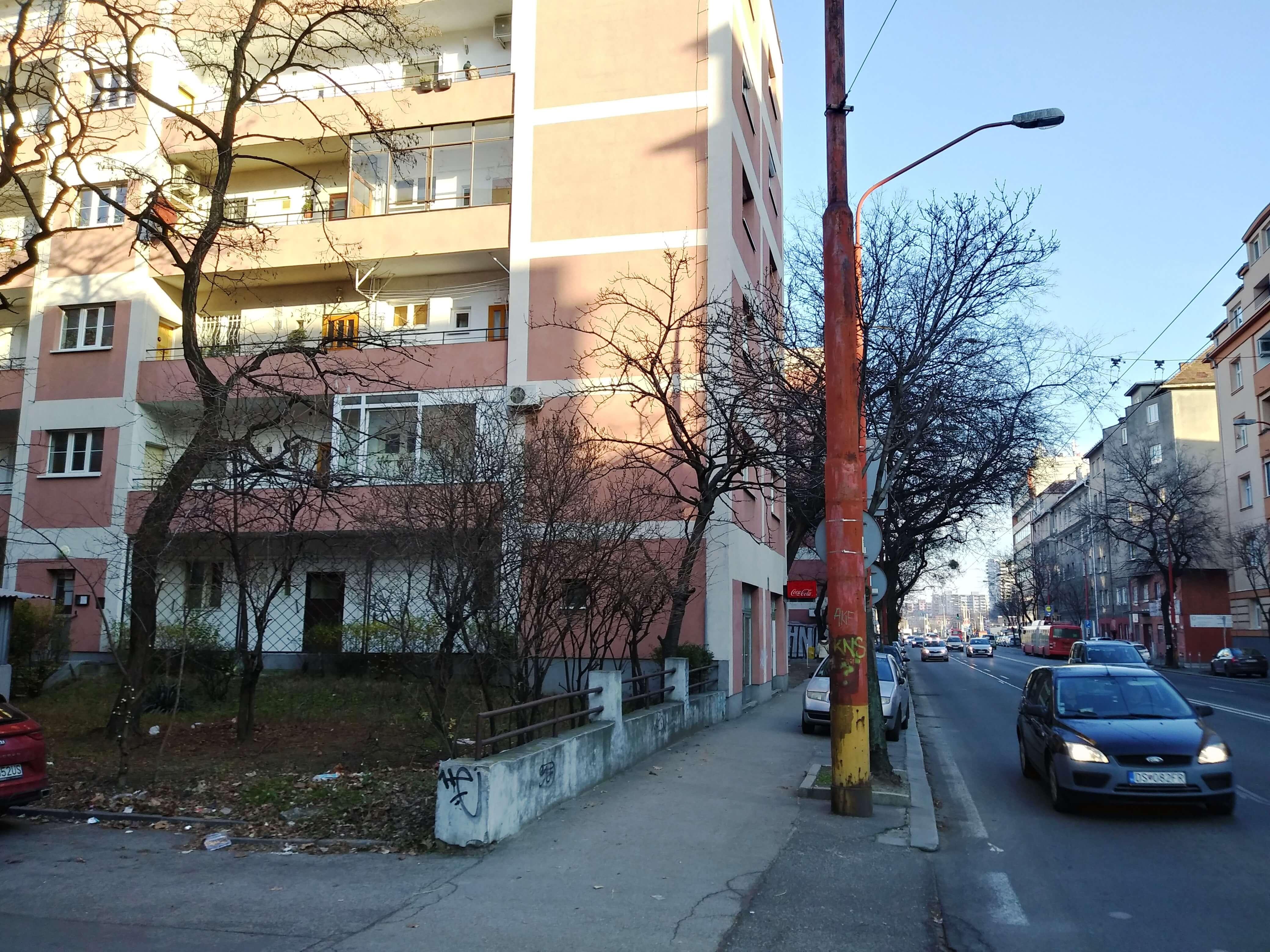 Prenájom jednej izby v 2 izb. byte, staré mesto, Šancová ulica, Bratislava, 80m2, zariadený-35
