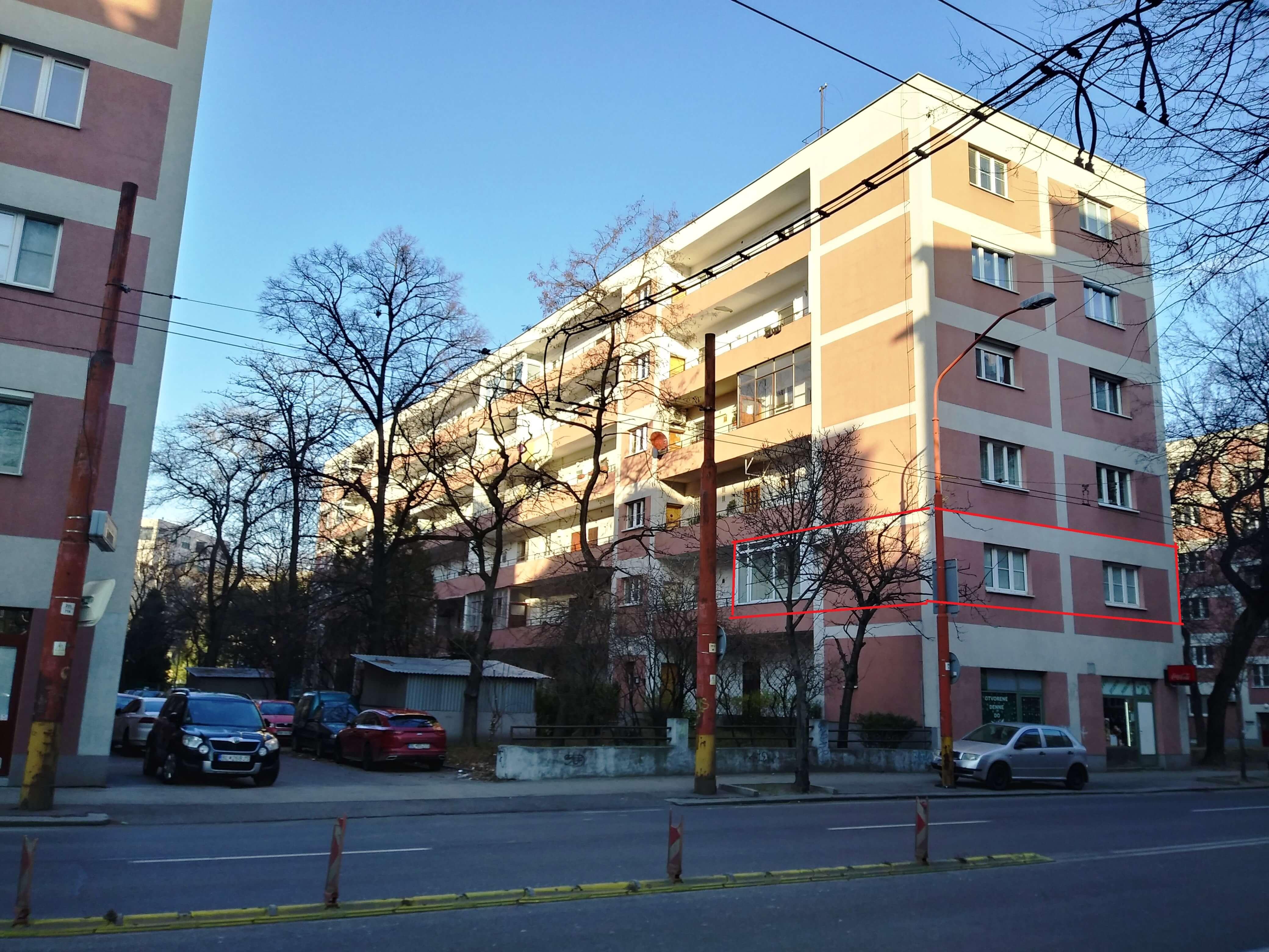 Prenájom jednej izby v 2 izb. byte, staré mesto, Šancová ulica, Bratislava, 80m2, zariadený-33