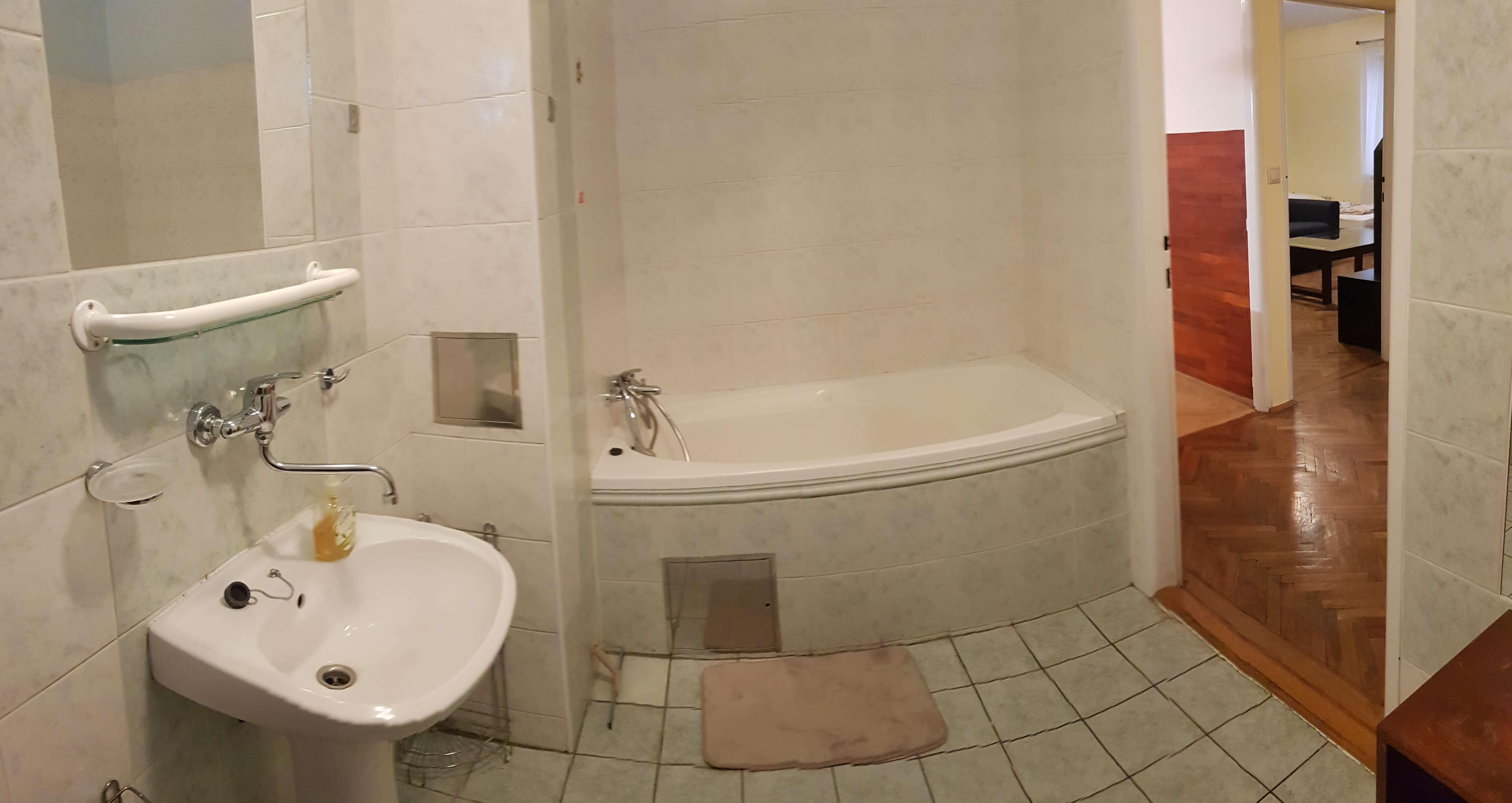 Predané: Predaj exkluzívneho 2 izb. bytu, staré mesto, Šancová ulica, Bratislava, 75m2, kompletne zariadený-22