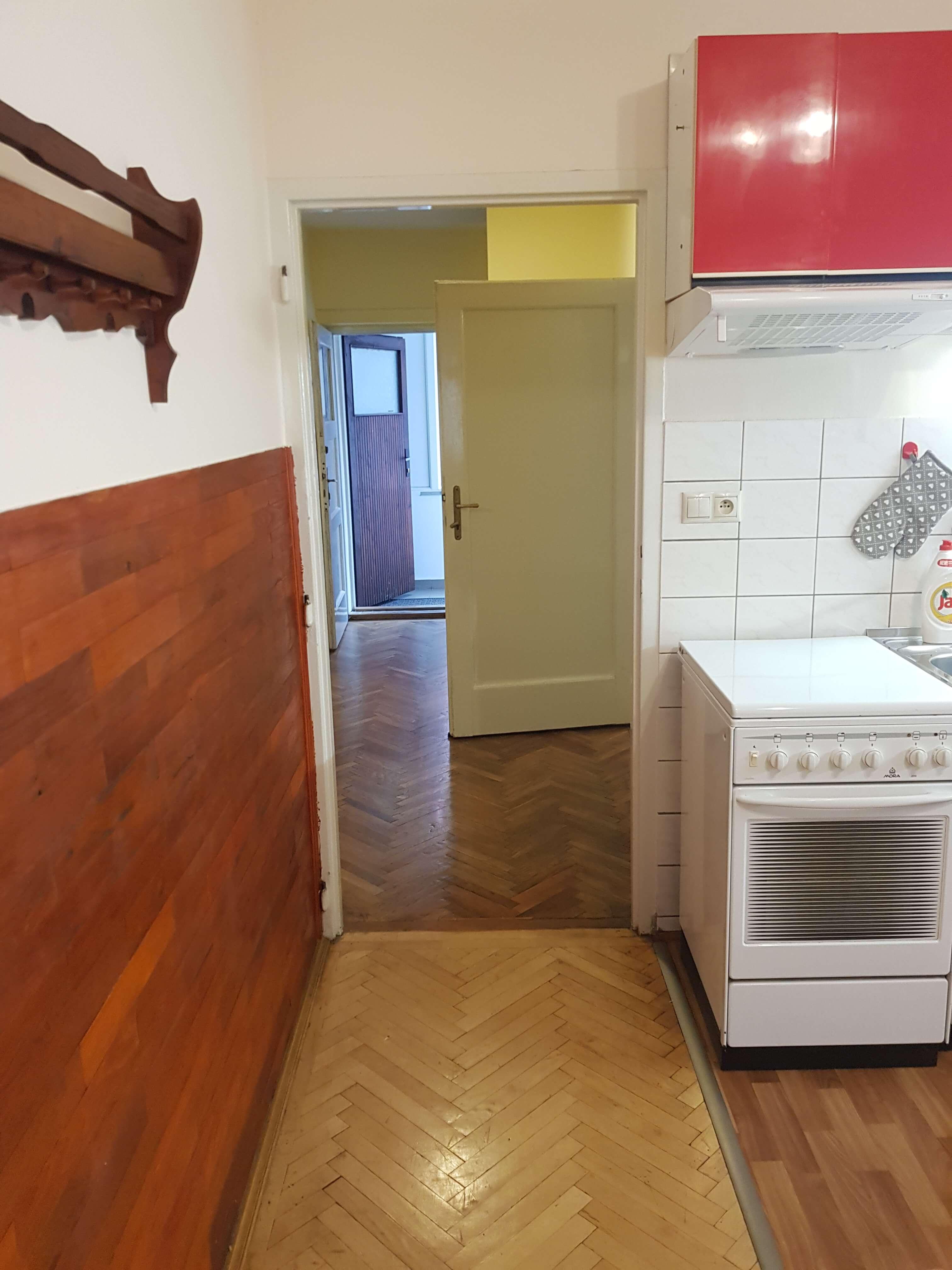 Prenájom jednej izby v 2 izb. byte, staré mesto, Šancová ulica, Bratislava, 80m2, zariadený-36