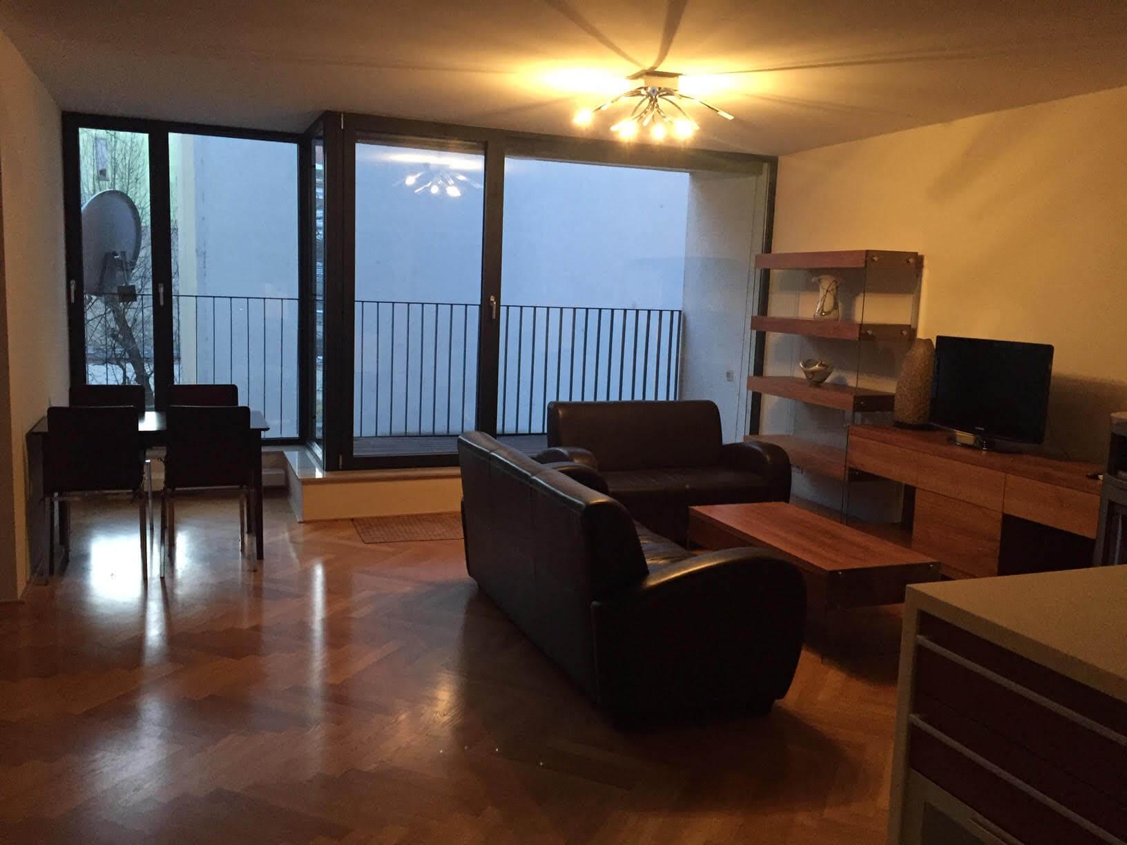 Prenajaté: Luxusný 3 izbový byt v centre BA, 88m2, Dunajská 48, balkón 6m, garážové státie,klimatizácia, krb-1