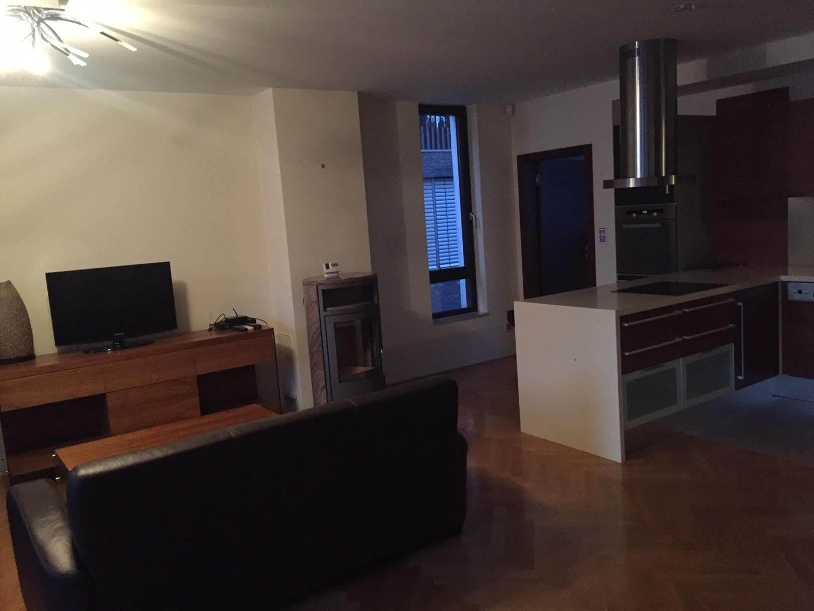 Prenajaté: Luxusný 3 izbový byt v centre BA, 88m2, Dunajská 48, balkón 6m, garážové státie,klimatizácia, krb-2
