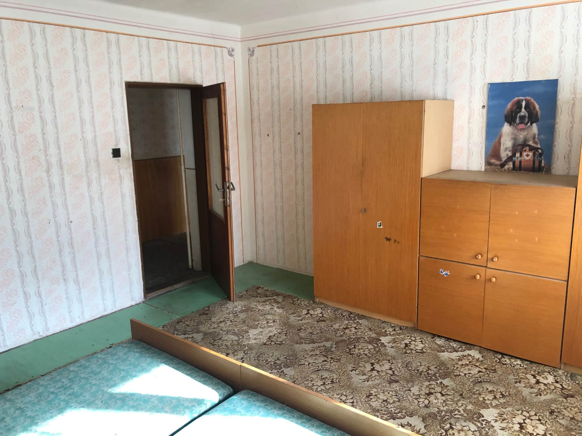 Prenajaté: Exkluzívne: Rodinný dom, 4 izbový, Šalgočka úžitková 140m2, podpivničenie 120m2, pozemok 1500m2-50