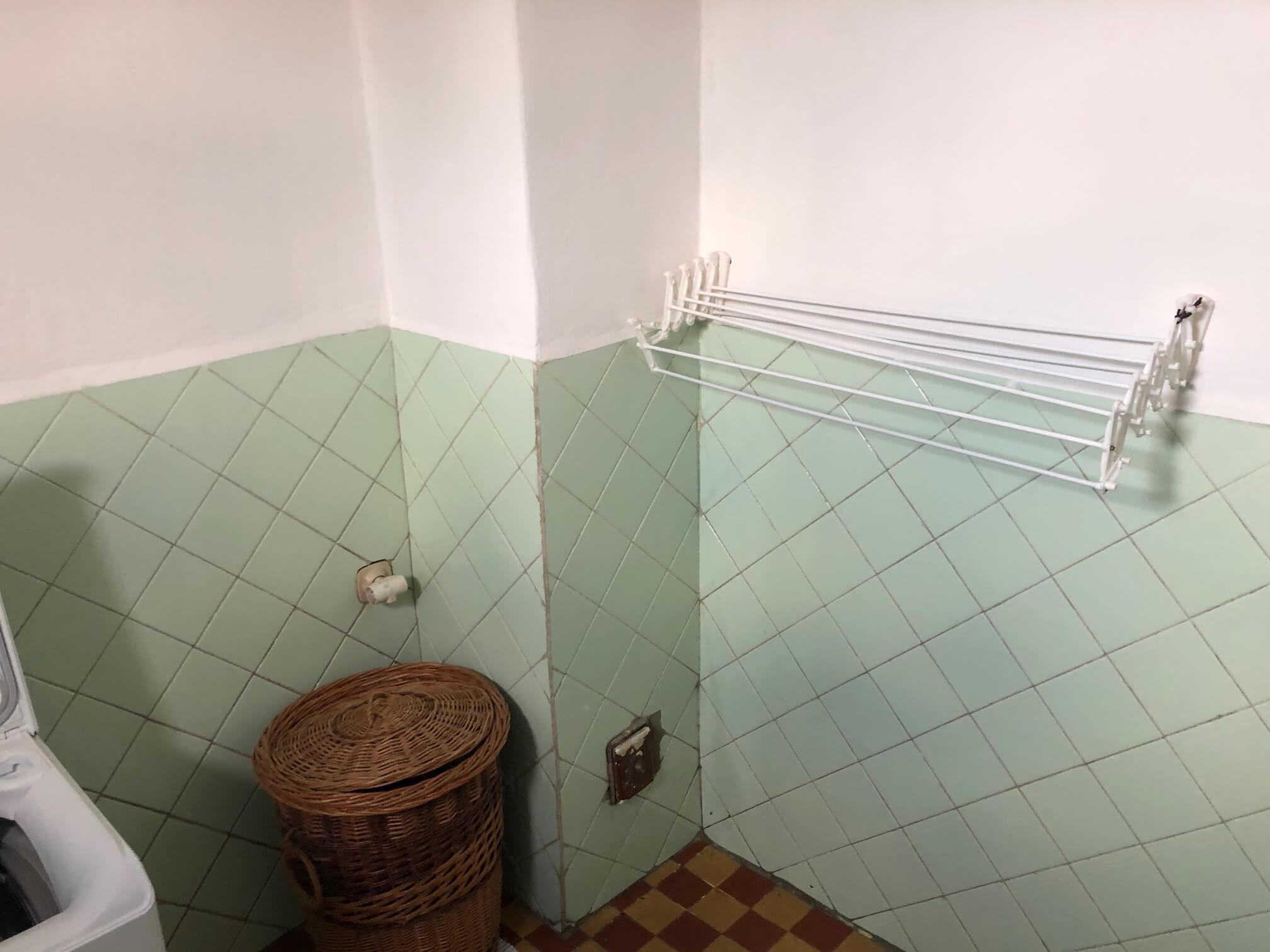 Prenajaté: Exkluzívne: Rodinný dom, 4 izbový, Šalgočka úžitková 140m2, podpivničenie 120m2, pozemok 1500m2-47