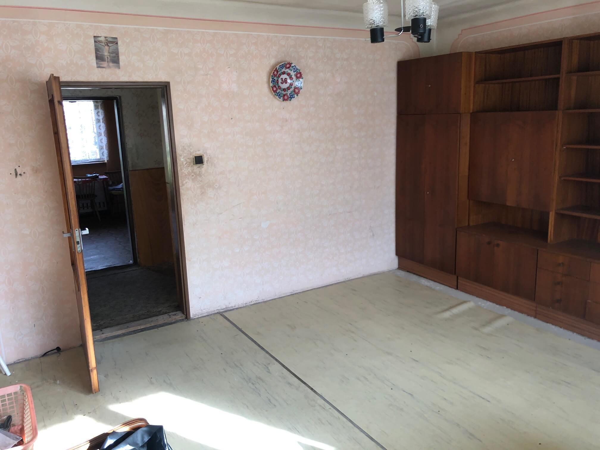 Prenajaté: Exkluzívne: Rodinný dom, 4 izbový, Šalgočka úžitková 140m2, podpivničenie 120m2, pozemok 1500m2-42