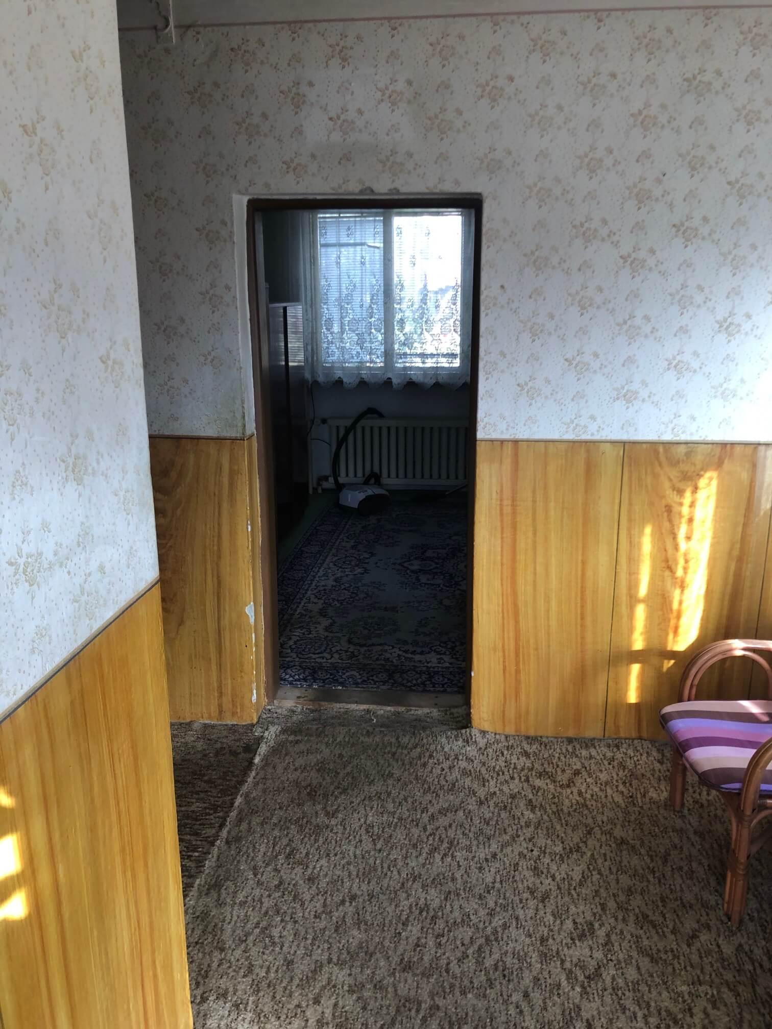 Prenajaté: Exkluzívne: Rodinný dom, 4 izbový, Šalgočka úžitková 140m2, podpivničenie 120m2, pozemok 1500m2-39