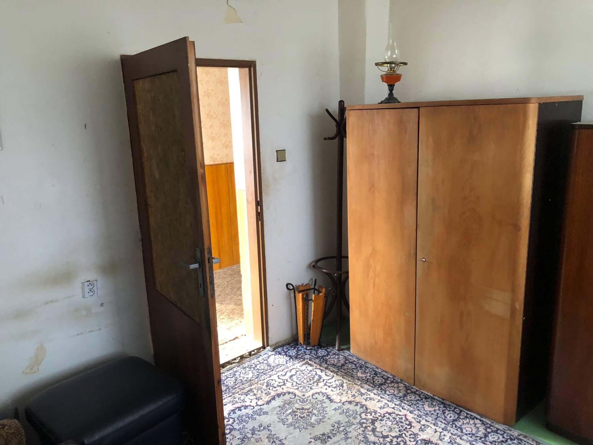 Prenajaté: Exkluzívne: Rodinný dom, 4 izbový, Šalgočka úžitková 140m2, podpivničenie 120m2, pozemok 1500m2-35