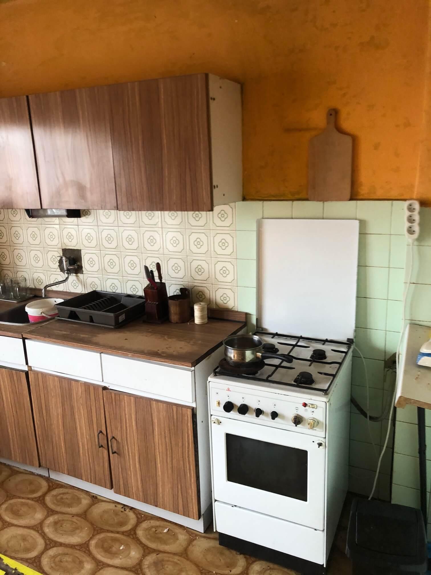 Prenajaté: Exkluzívne: Rodinný dom, 4 izbový, Šalgočka úžitková 140m2, podpivničenie 120m2, pozemok 1500m2-34
