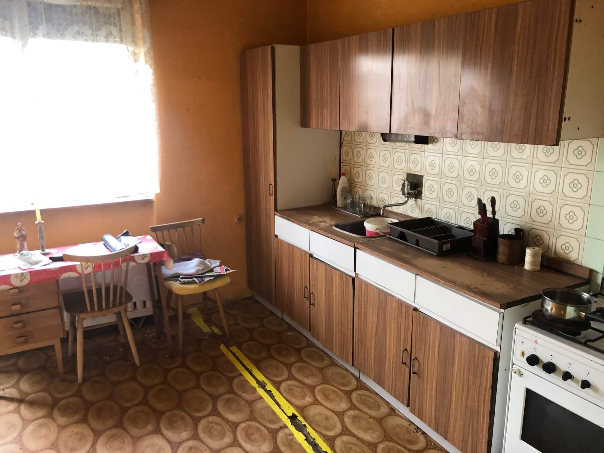 Prenajaté: Exkluzívne: Rodinný dom, 4 izbový, Šalgočka úžitková 140m2, podpivničenie 120m2, pozemok 1500m2-33