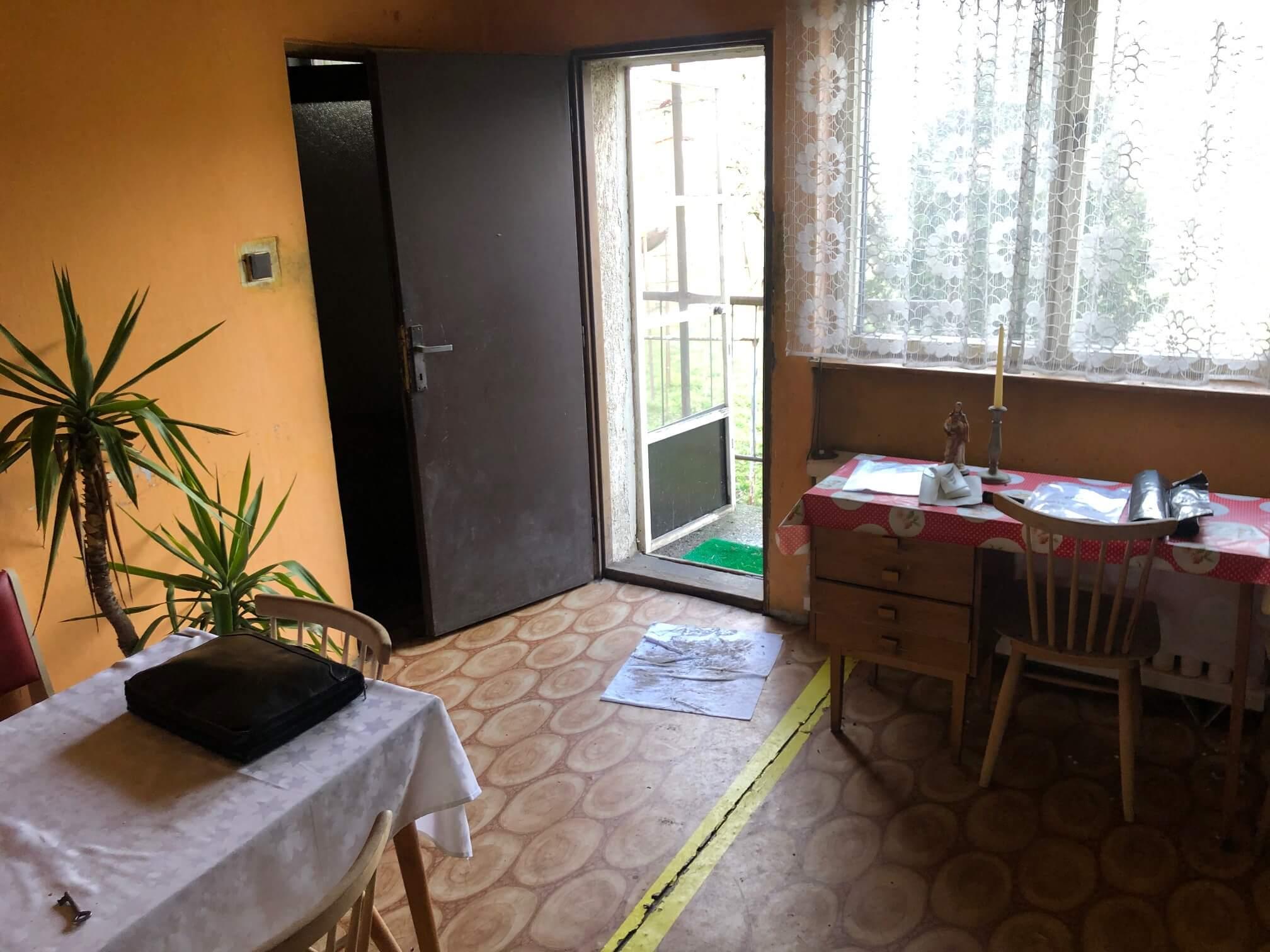 Prenajaté: Exkluzívne: Rodinný dom, 4 izbový, Šalgočka úžitková 140m2, podpivničenie 120m2, pozemok 1500m2-32