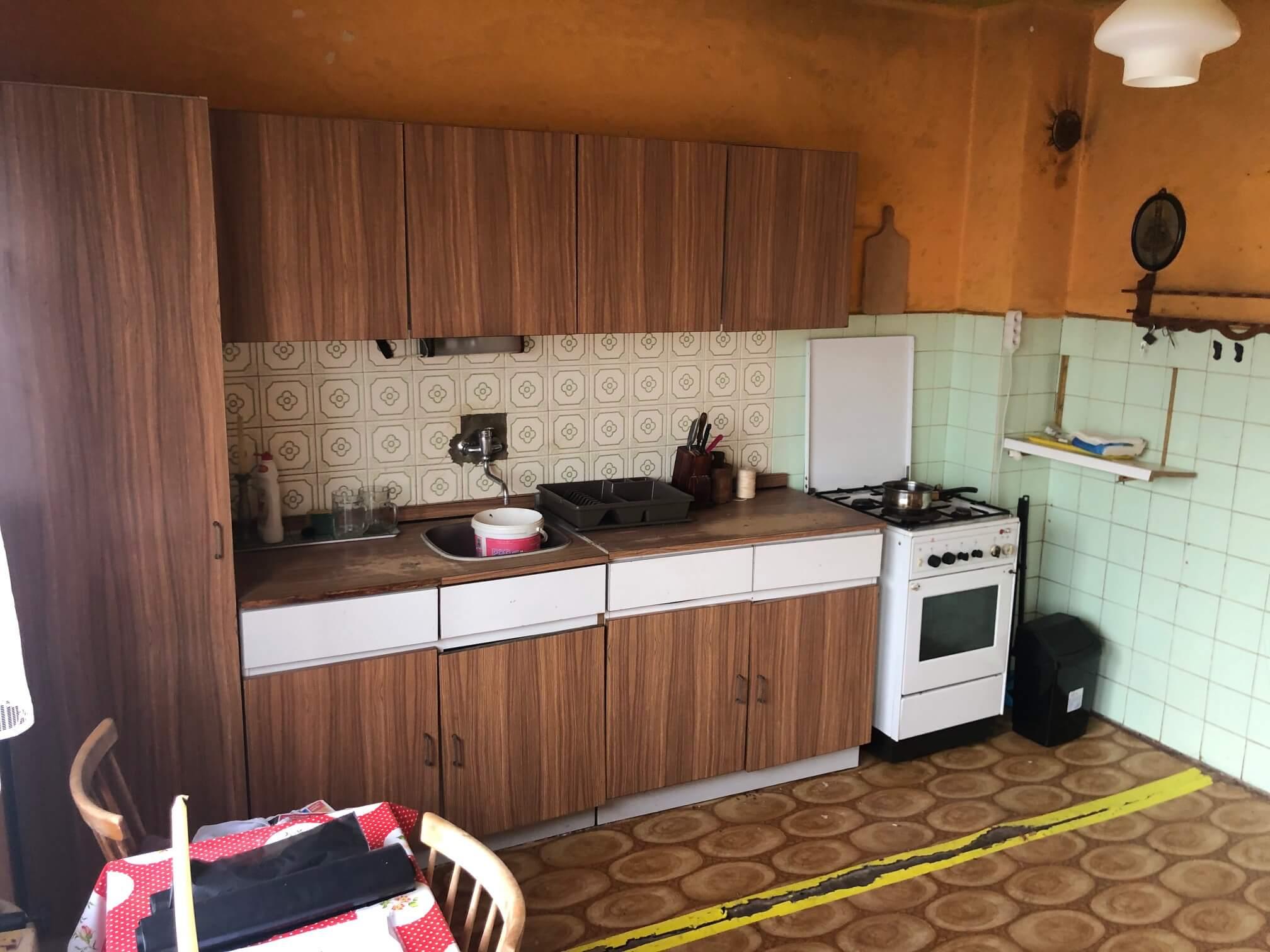 Prenajaté: Exkluzívne: Rodinný dom, 4 izbový, Šalgočka úžitková 140m2, podpivničenie 120m2, pozemok 1500m2-31