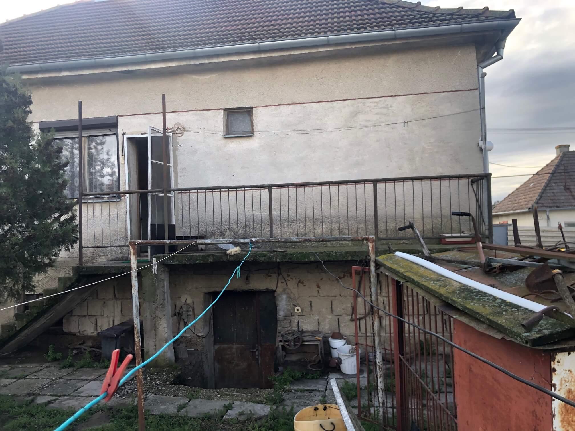 Prenajaté: Exkluzívne: Rodinný dom, 4 izbový, Šalgočka úžitková 140m2, podpivničenie 120m2, pozemok 1500m2-17