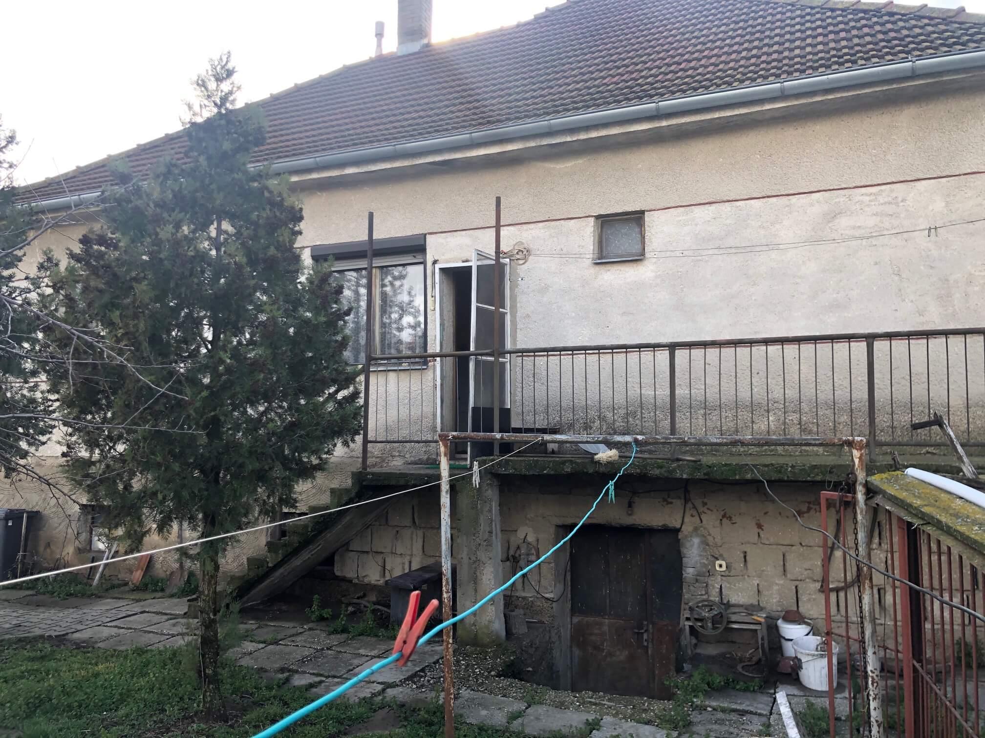 Prenajaté: Exkluzívne: Rodinný dom, 4 izbový, Šalgočka úžitková 140m2, podpivničenie 120m2, pozemok 1500m2-16