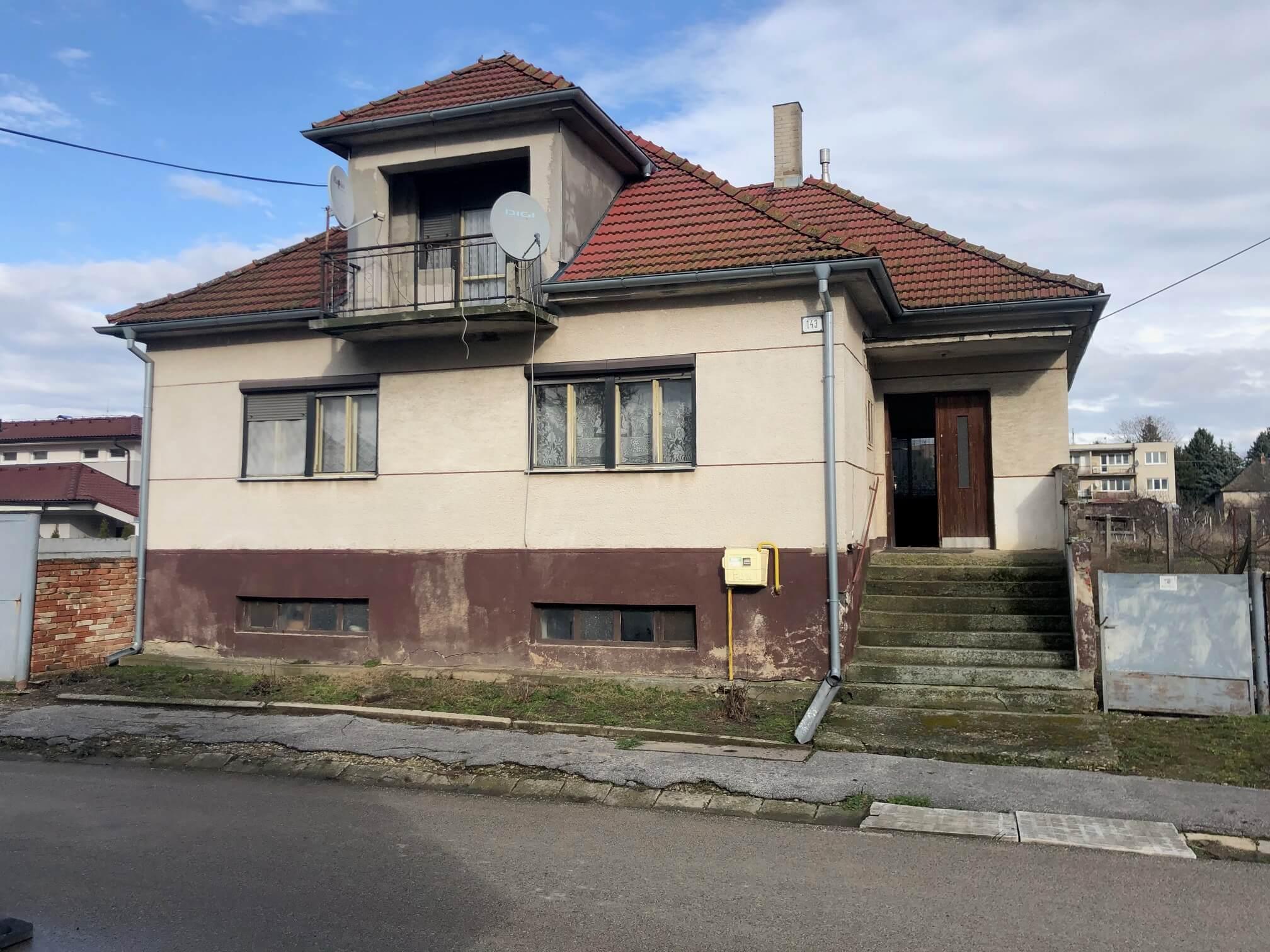 Prenajaté: Exkluzívne: Rodinný dom, 4 izbový, Šalgočka úžitková 140m2, podpivničenie 120m2, pozemok 1500m2-6
