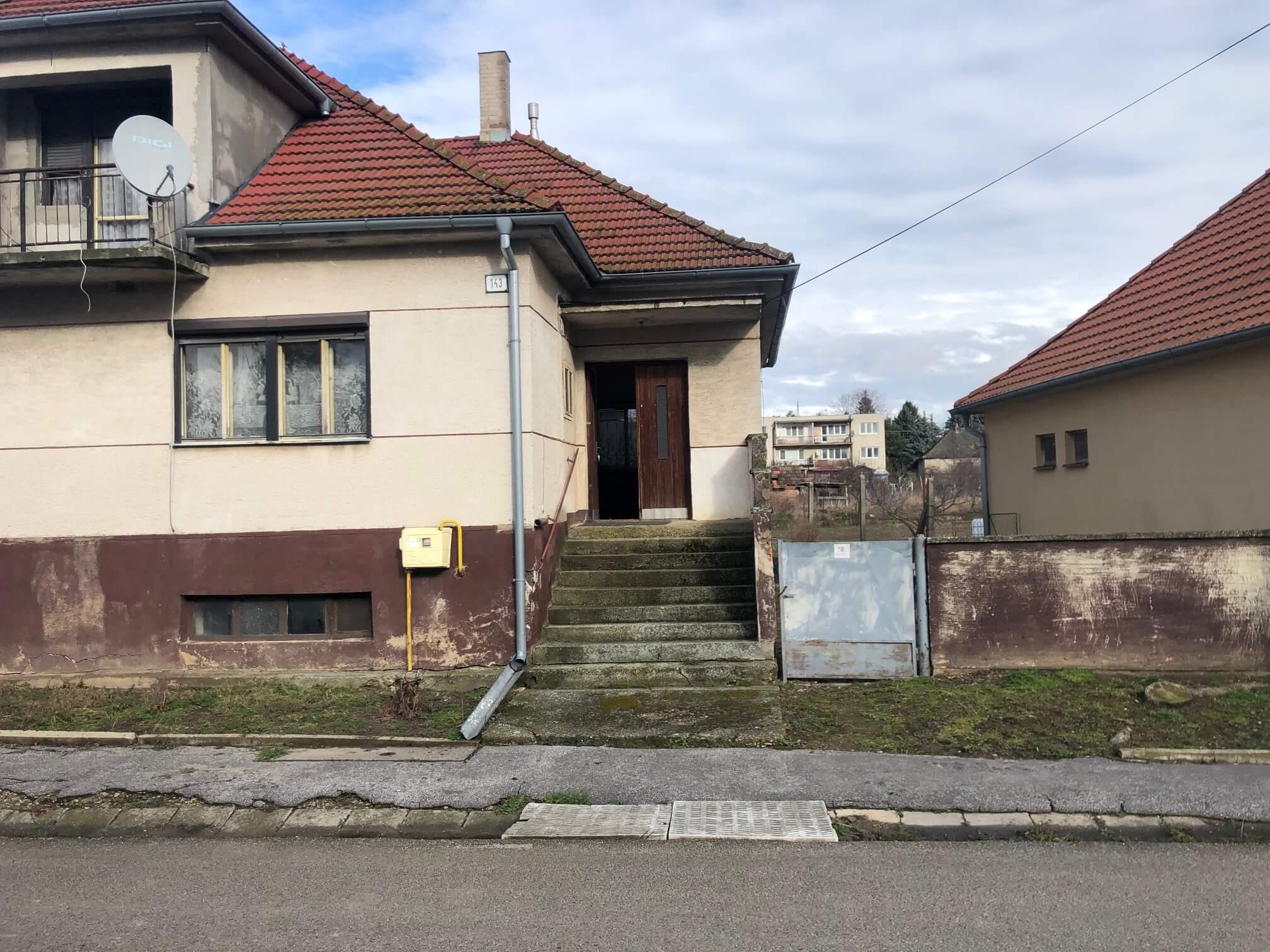 Prenajaté: Exkluzívne: Rodinný dom, 4 izbový, Šalgočka úžitková 140m2, podpivničenie 120m2, pozemok 1500m2-2