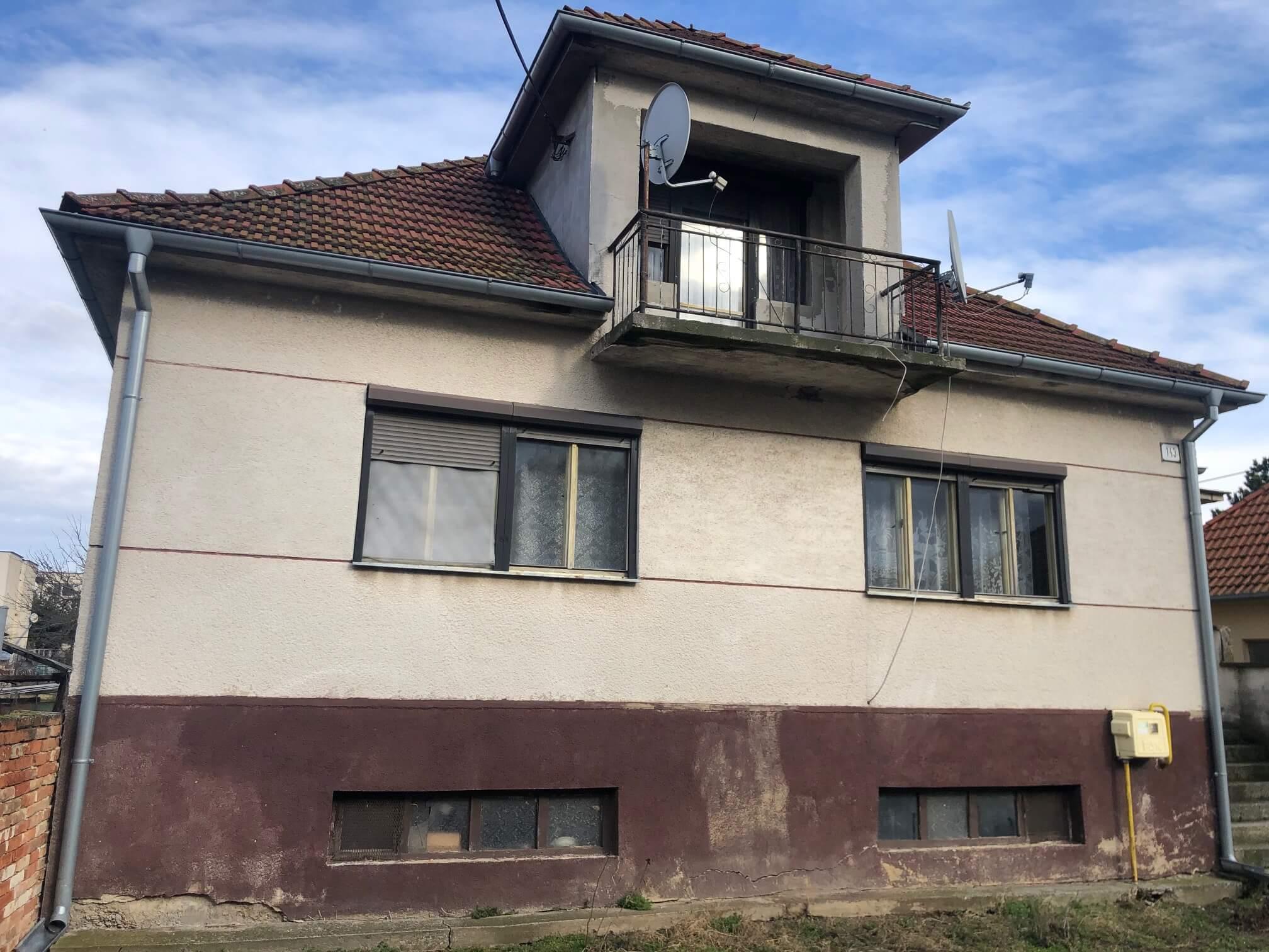 Prenajaté: Exkluzívne: Rodinný dom, 4 izbový, Šalgočka úžitková 140m2, podpivničenie 120m2, pozemok 1500m2-0