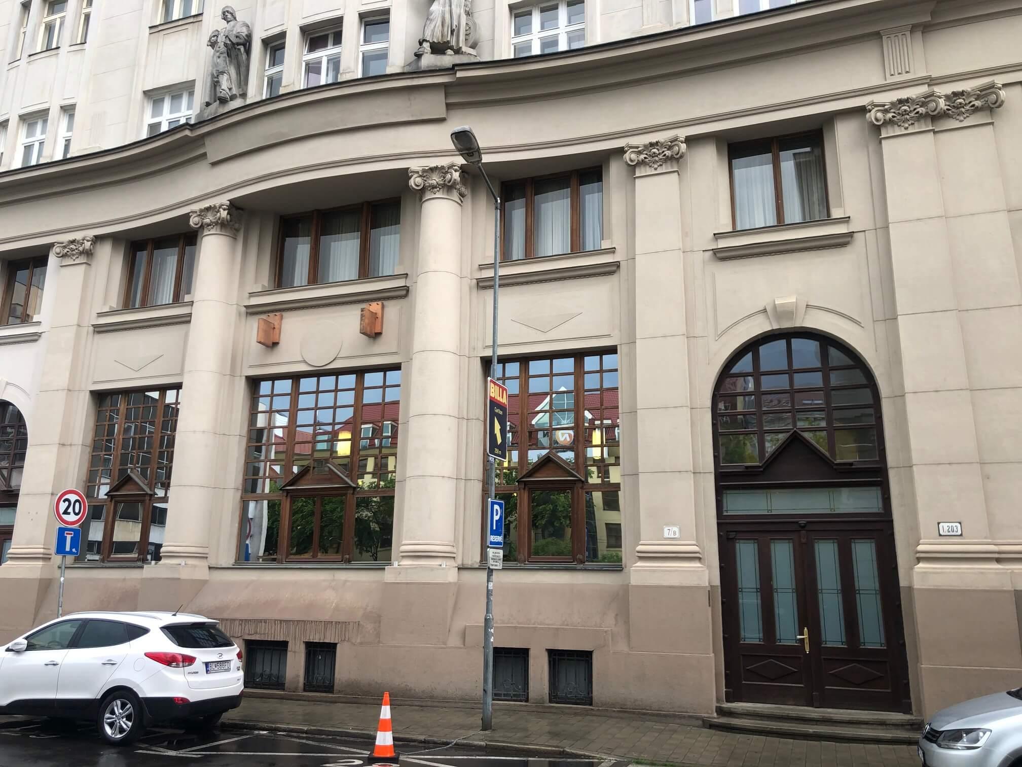 Prenajaté: Na prenájom exkluzívne 2 izbový byt, 73,34m2, v Centre BA, Gorkeho 7, 7 poschodie-0