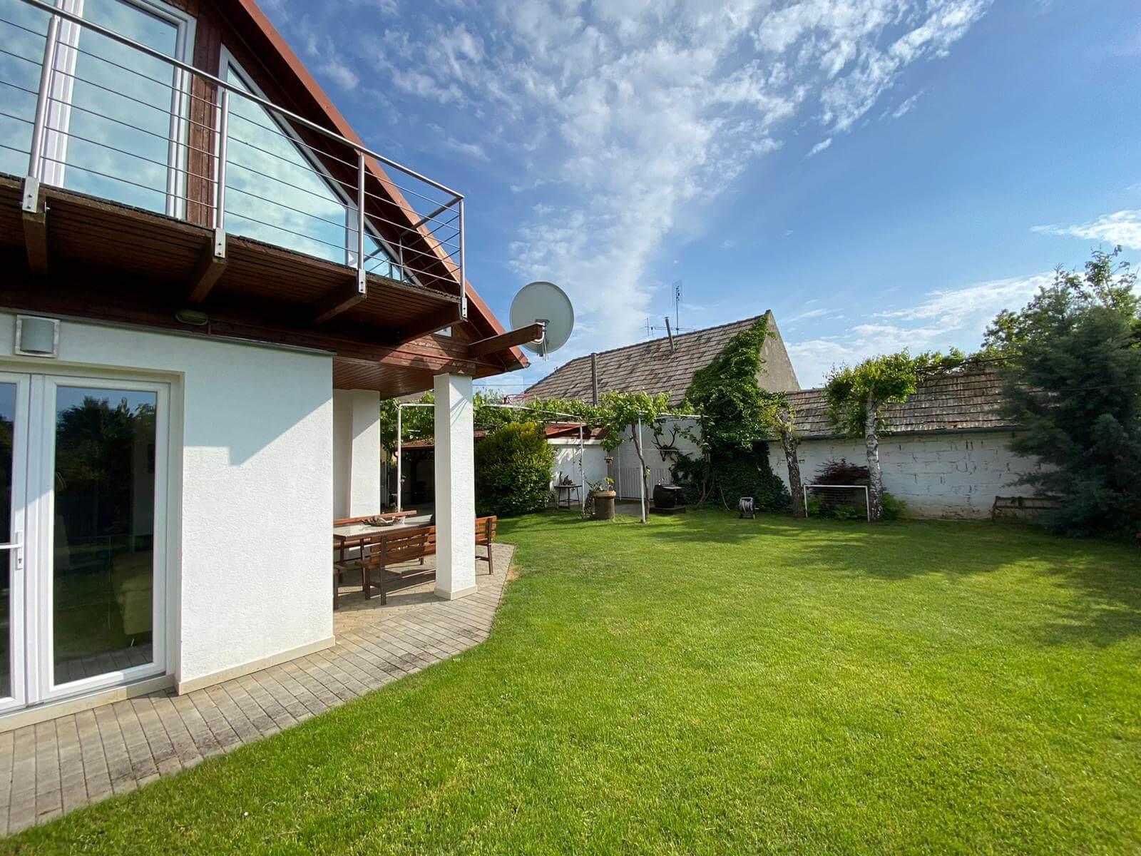 Predané: Predaj Rodinný dom v Šoporni, v tichej lokalite, pozemok 674m2, úžitková plocha 181m2,záhrada, kôlňa-5