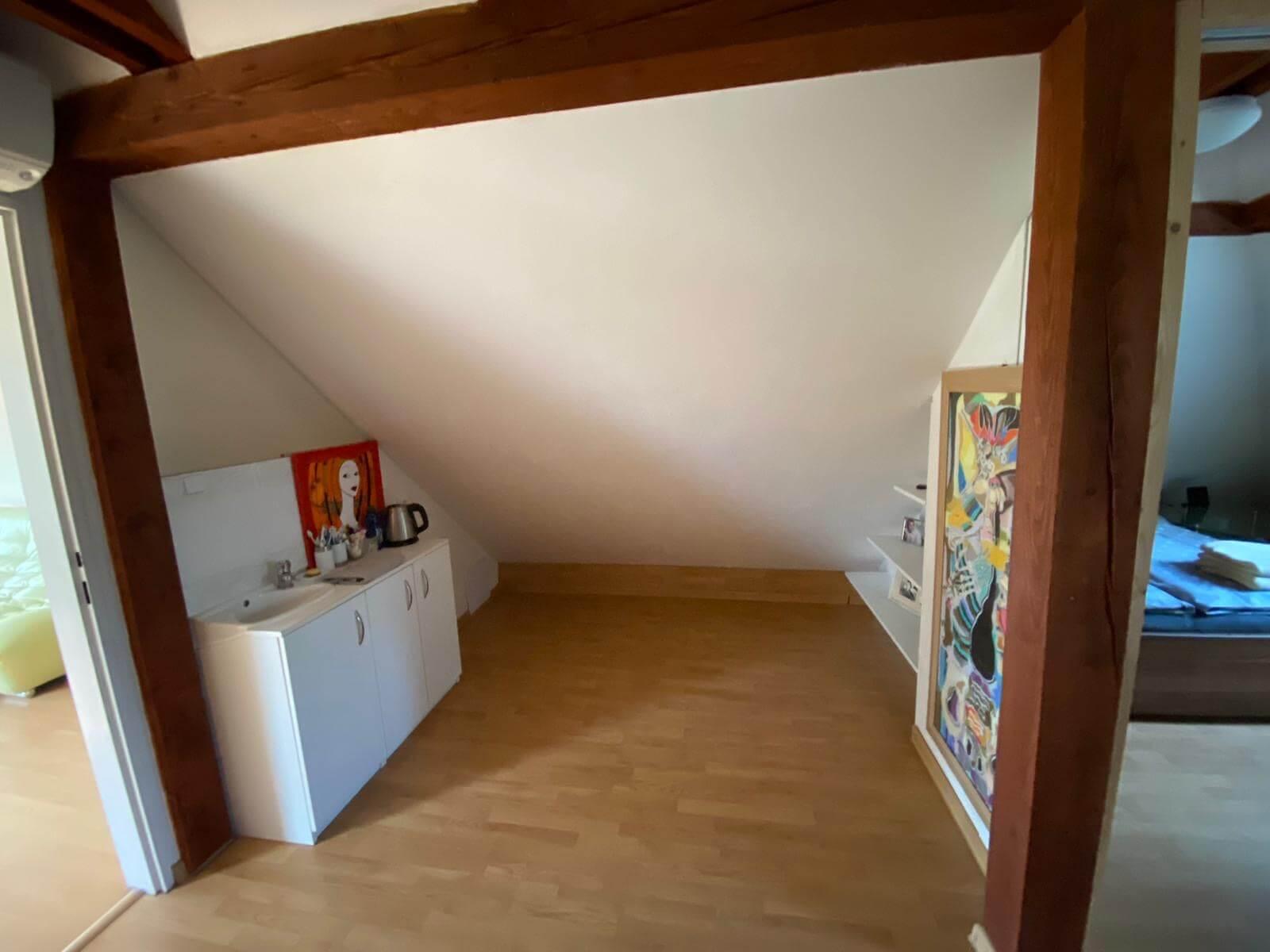 Predané: Predaj Rodinný dom v Šoporni, v tichej lokalite, pozemok 674m2, úžitková plocha 181m2,záhrada, kôlňa-26