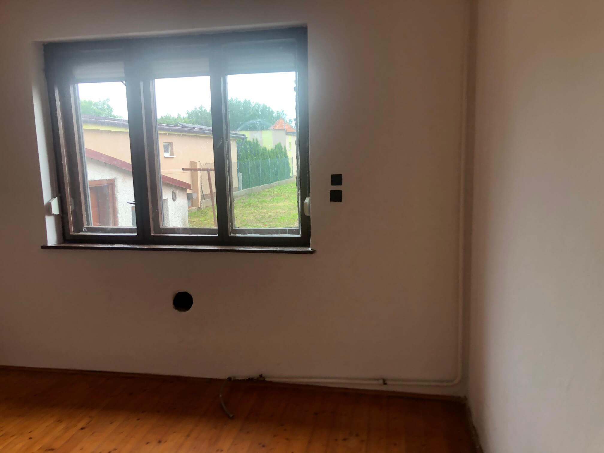 Predané: Pôvodný 4 izbový Rodinný dom v Šoporni, úžitková 96m2 plus 96m2 povala, pozemok 550m2-20