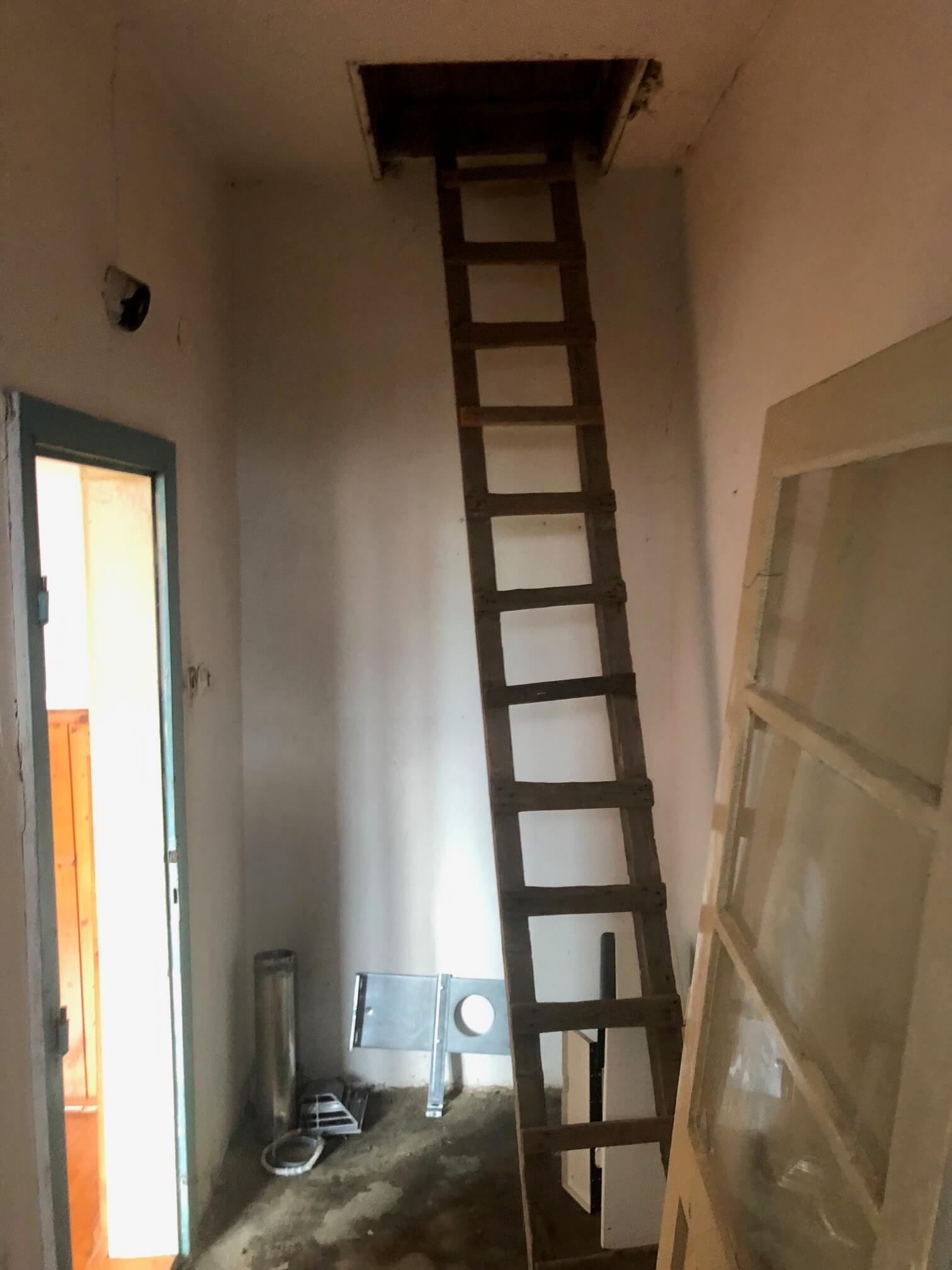 Predané: Pôvodný 4 izbový Rodinný dom v Šoporni, úžitková 96m2 plus 96m2 povala, pozemok 550m2-19